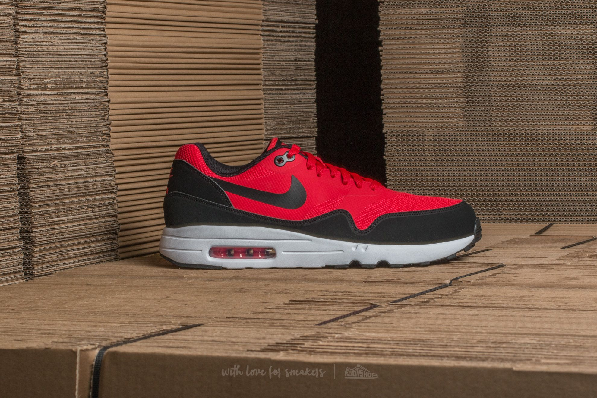 Nike Air Max 1 Ultra 2.0 Essential University Red Black White