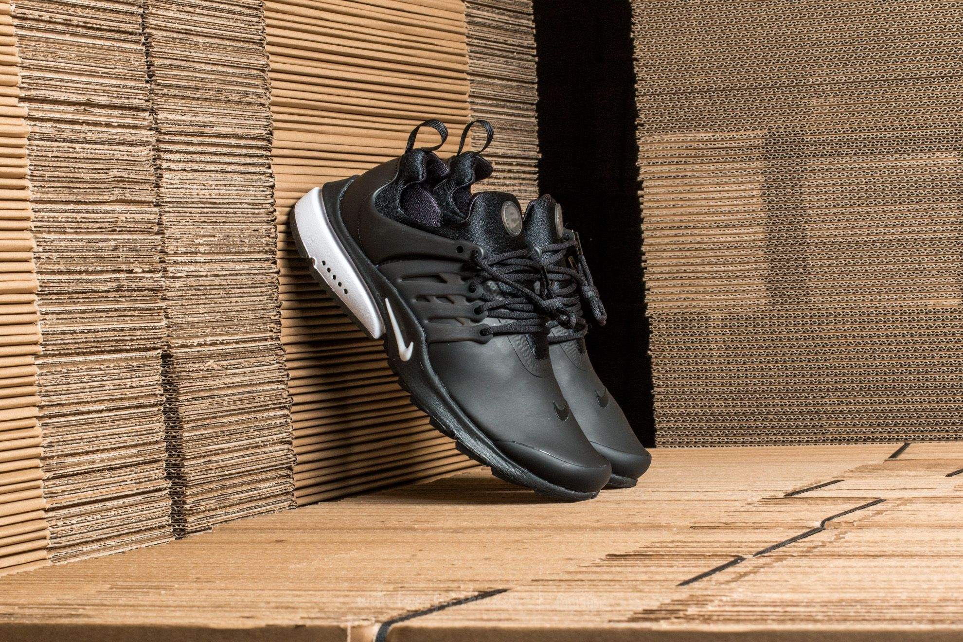 Nike Air Presto Low Utility Black  White  db4f5e7fd