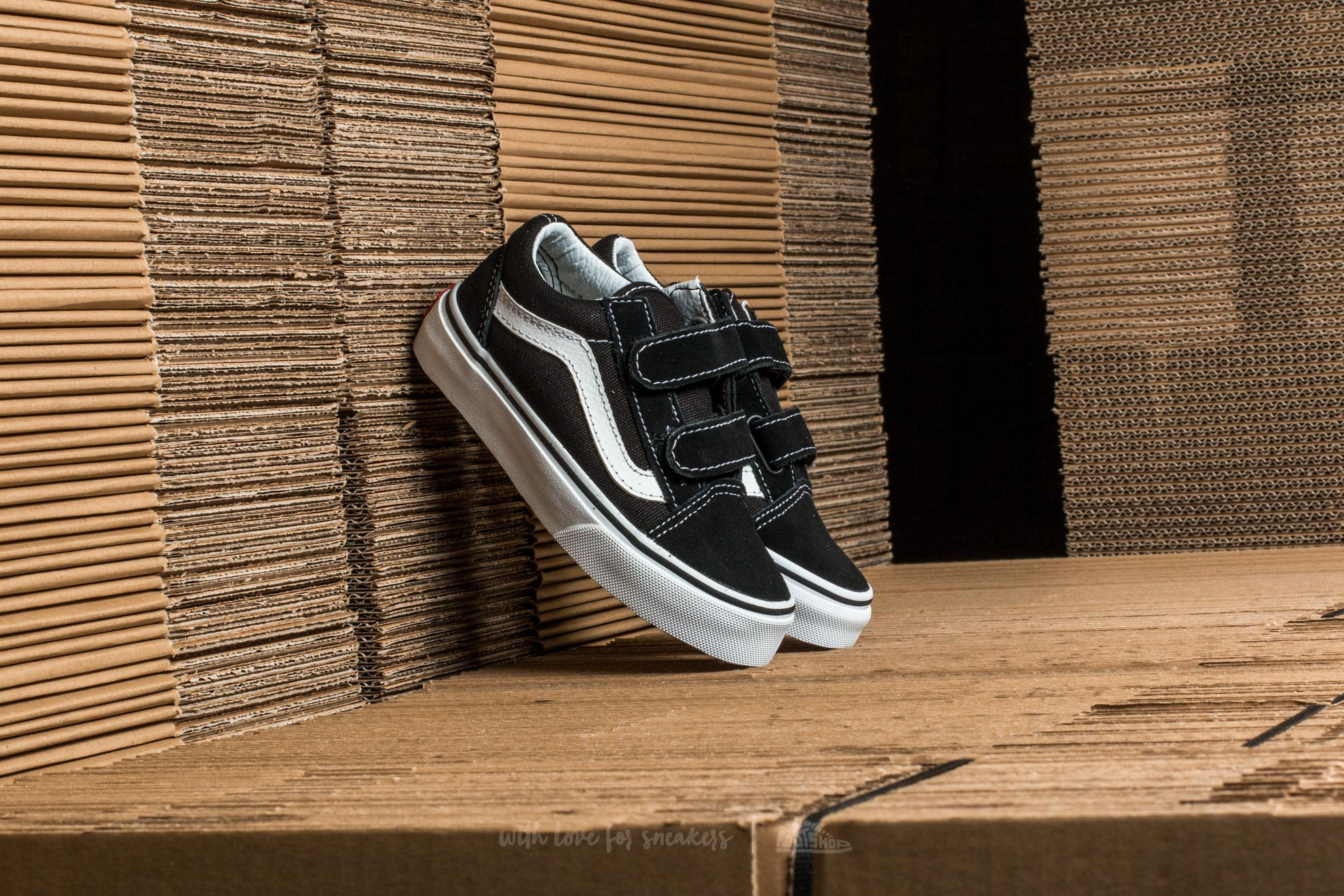 Vans Old Skool V Black  True White 74cb874bfd
