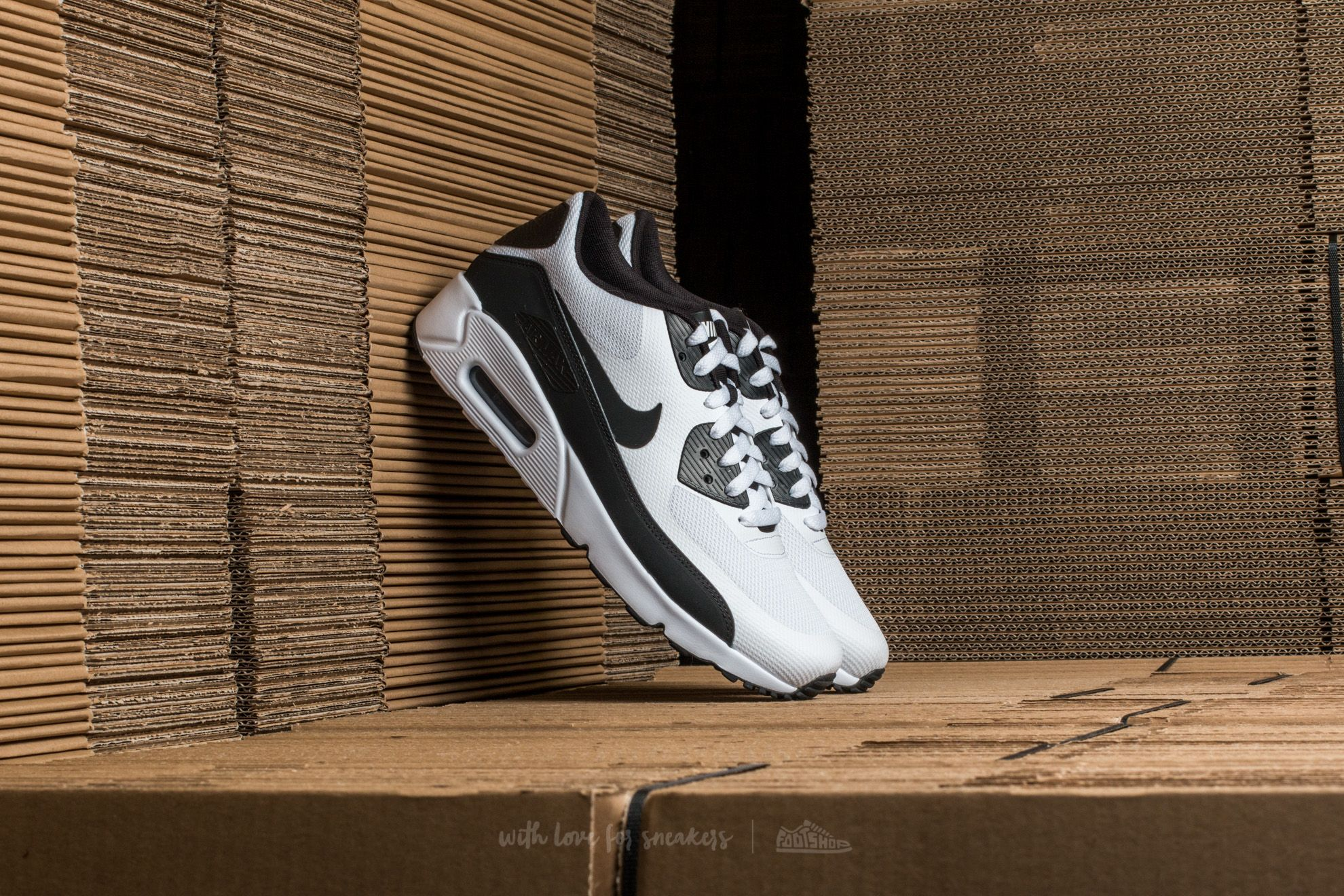 pretty nice 3ce3c 3b551 Nike Air Max 90 Ultra 2.0 Essential. White  Black-White