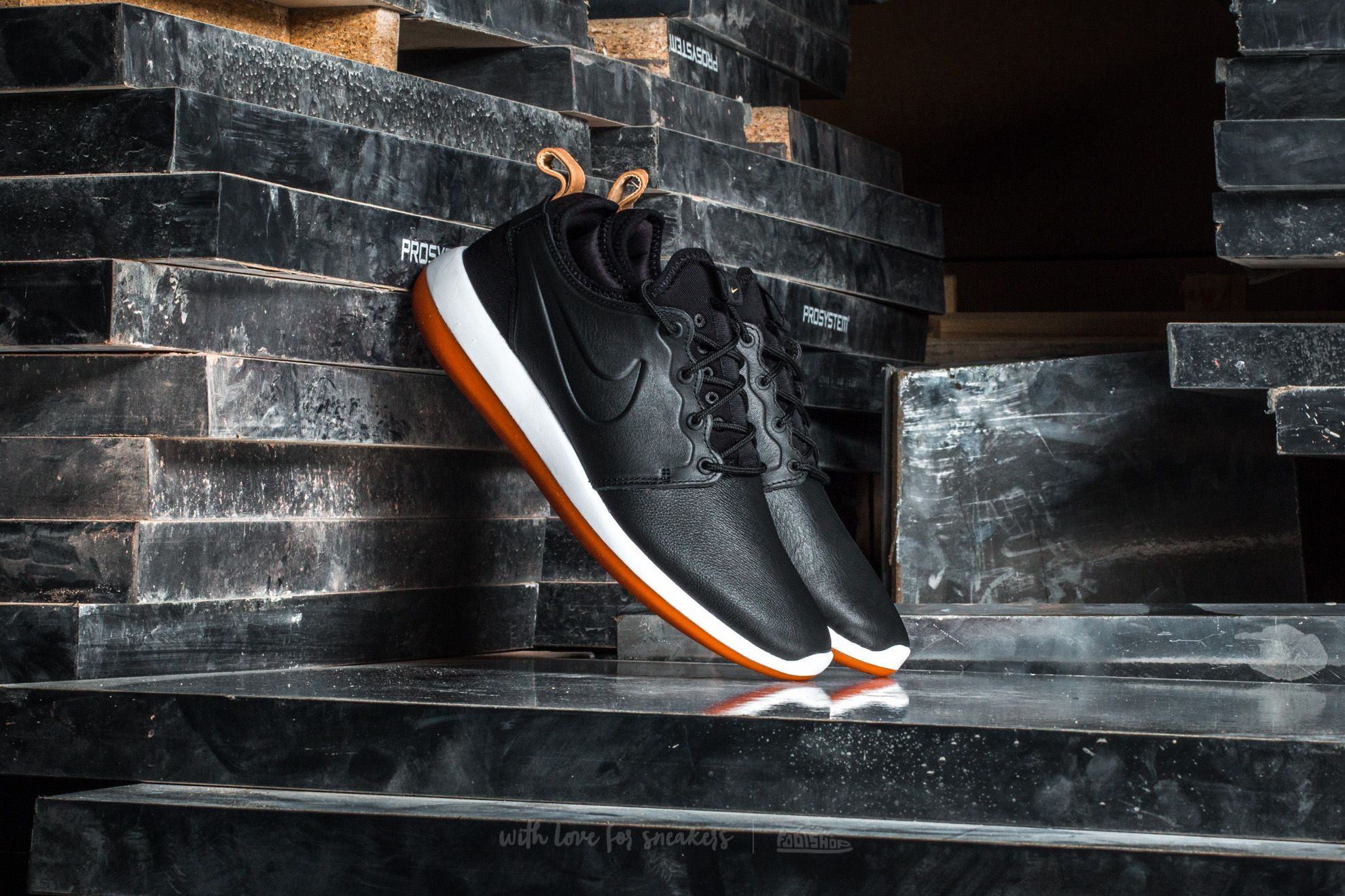 new product ef0fa 6921f Nike Roshe Two Leather Premium