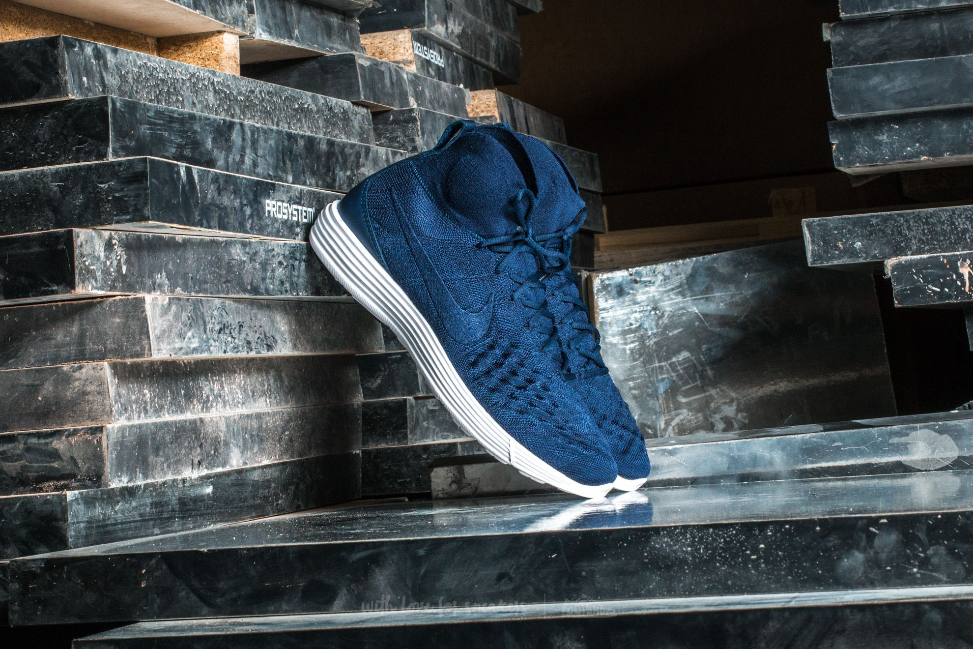 97572cfa40bb Nike Lunar Magista II Flyknit College Navy  College Navy at a great price  121 €