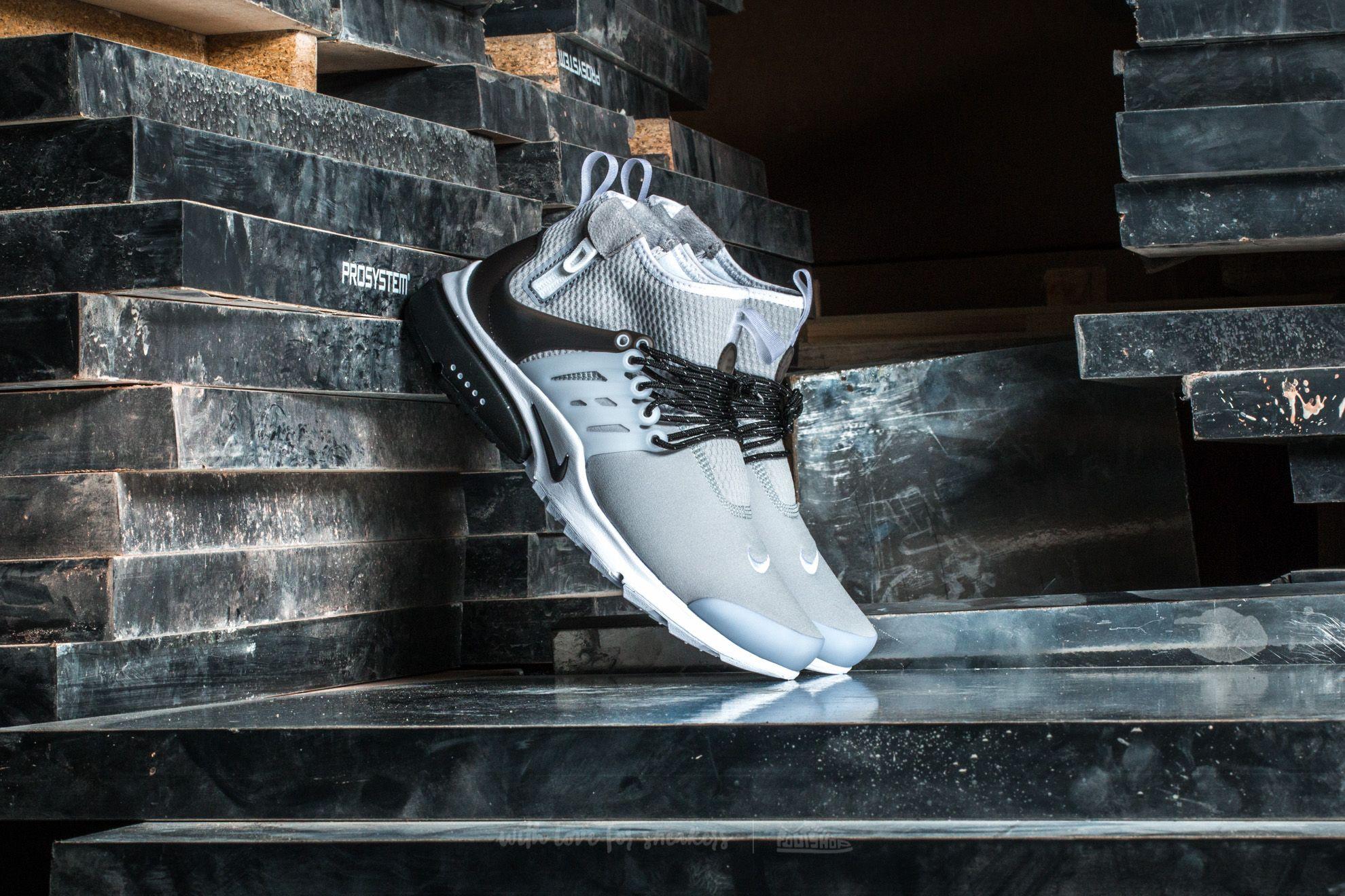 9b5d5142093b Nike Air Presto Mid Utility Dark Grey  Max Orange-Black