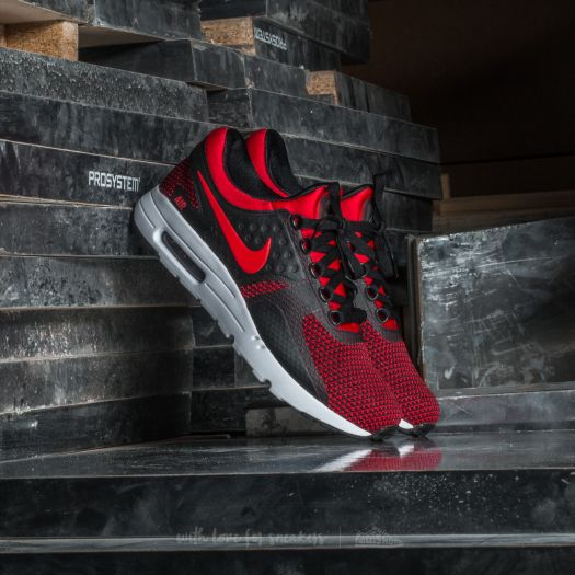 NIKE AIR MAX ZERO ESSENTIAL UNIVERSITY RED