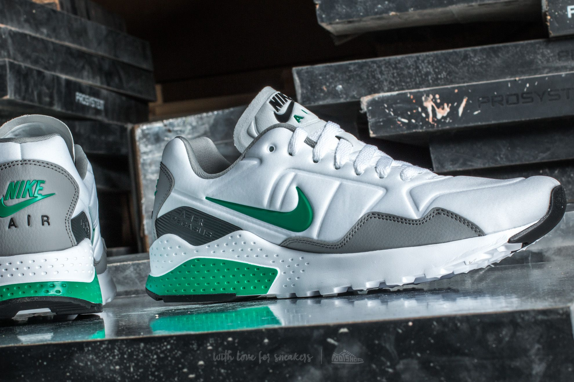 Nike Air Zoom Pegasus 92 White Stadium Green | Footshop