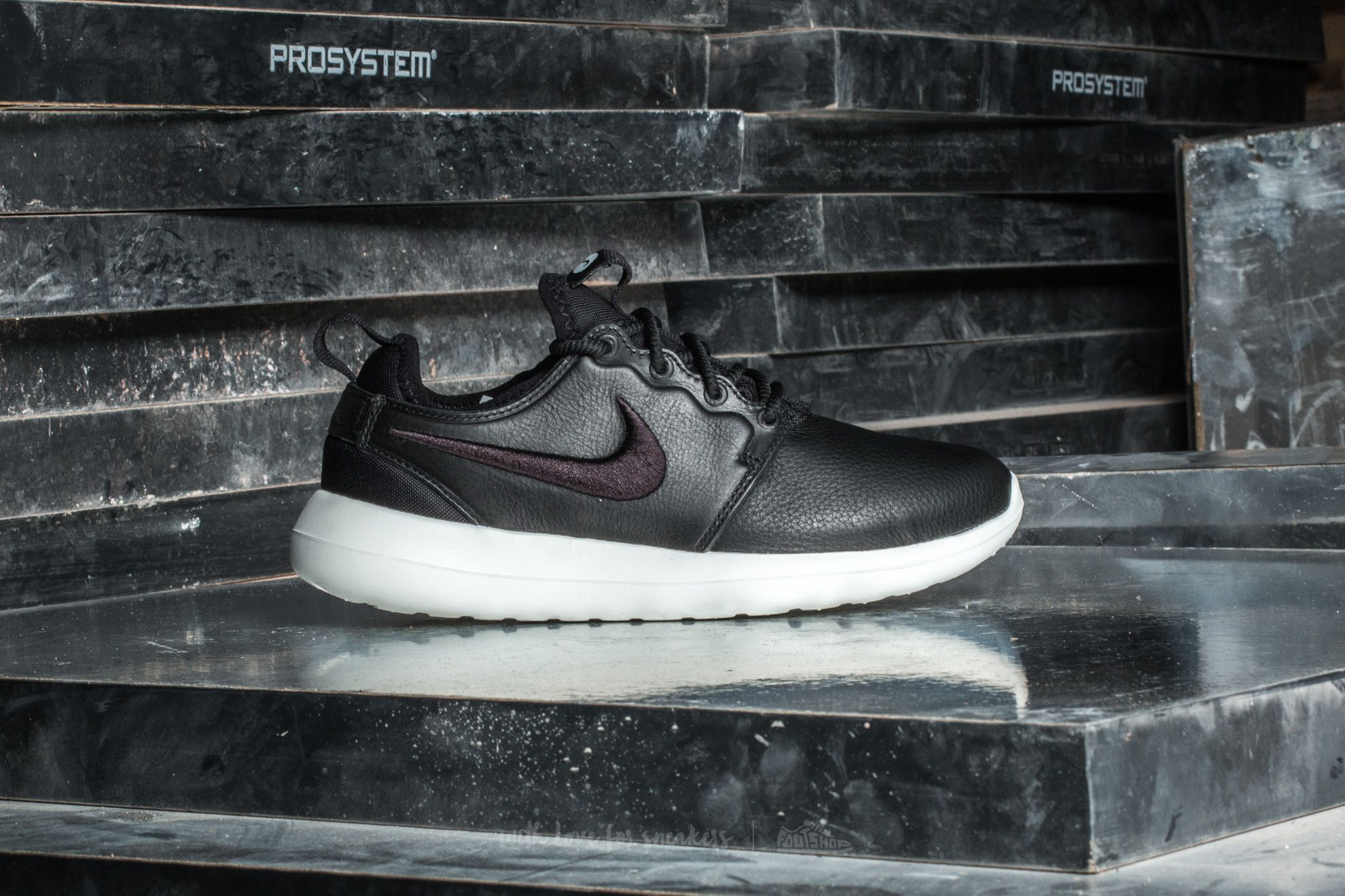 new product 77acc 0fe81 Nike W Roshe Two SI Black  Black-Ivory at a great price 74 €