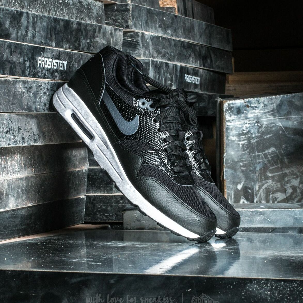 Nike W Air Max 1 Ultra 2.0 Black/ Metallic Hematite-Black EUR 38