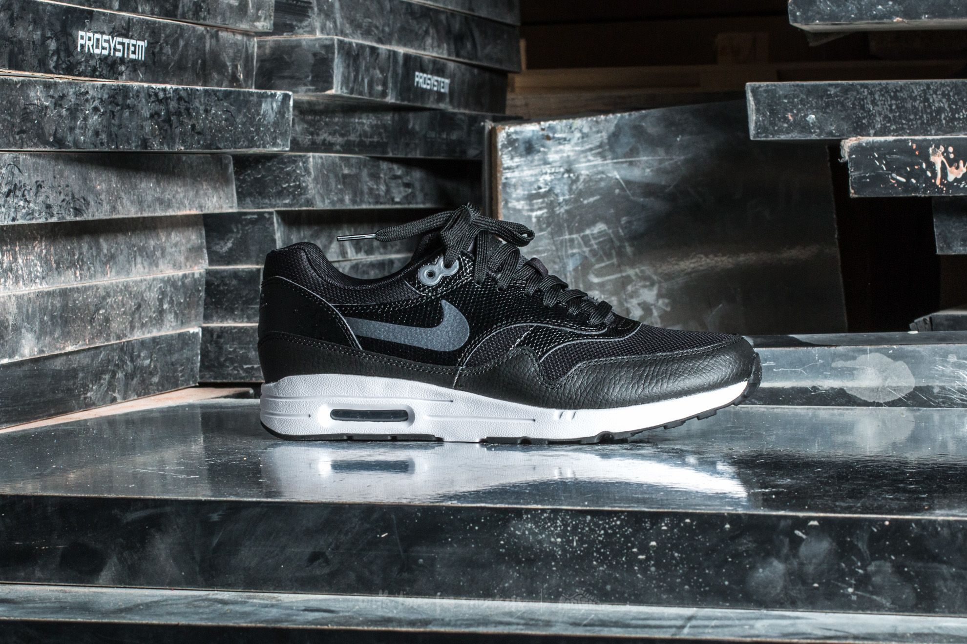 detailed look be84c 008d8 Nike W Air Max 1 Ultra 2.0 Black  Metallic Hematite-Black at a great