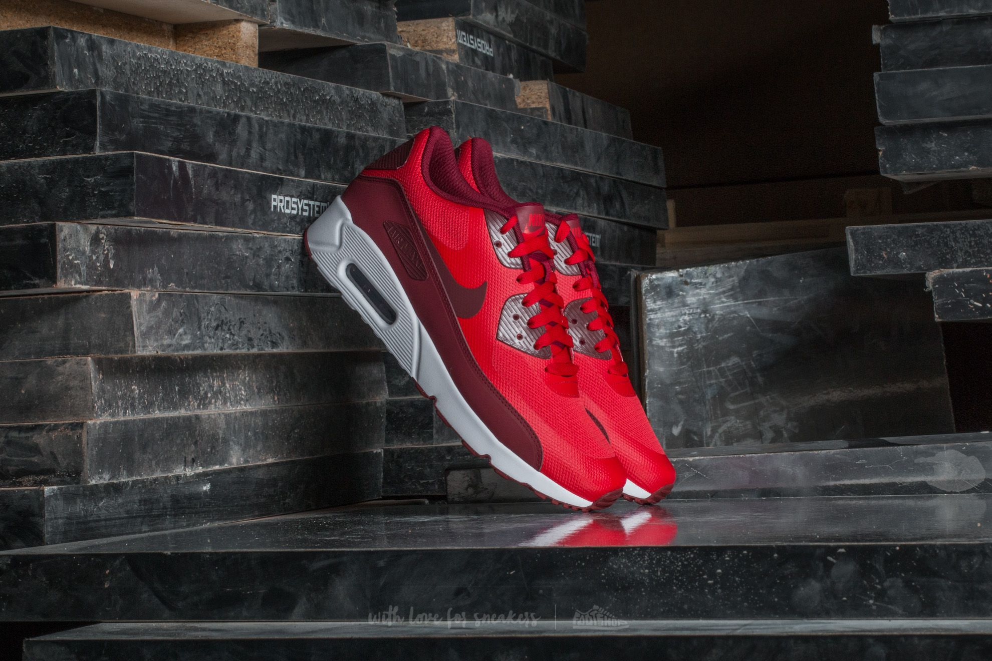Nike Air Max 90 Ultra 2.0 Essential University Red  Team Red-White ... 474d7c56e5