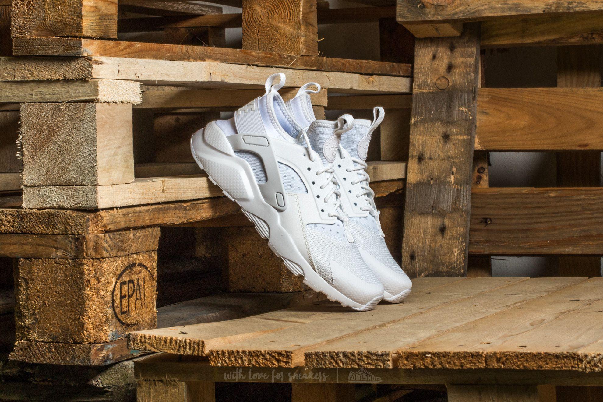 Nike Air Huarache Run Ultra Gs White/ White-White za skvělou cenu 2 890 Kč koupíte na Footshop.cz