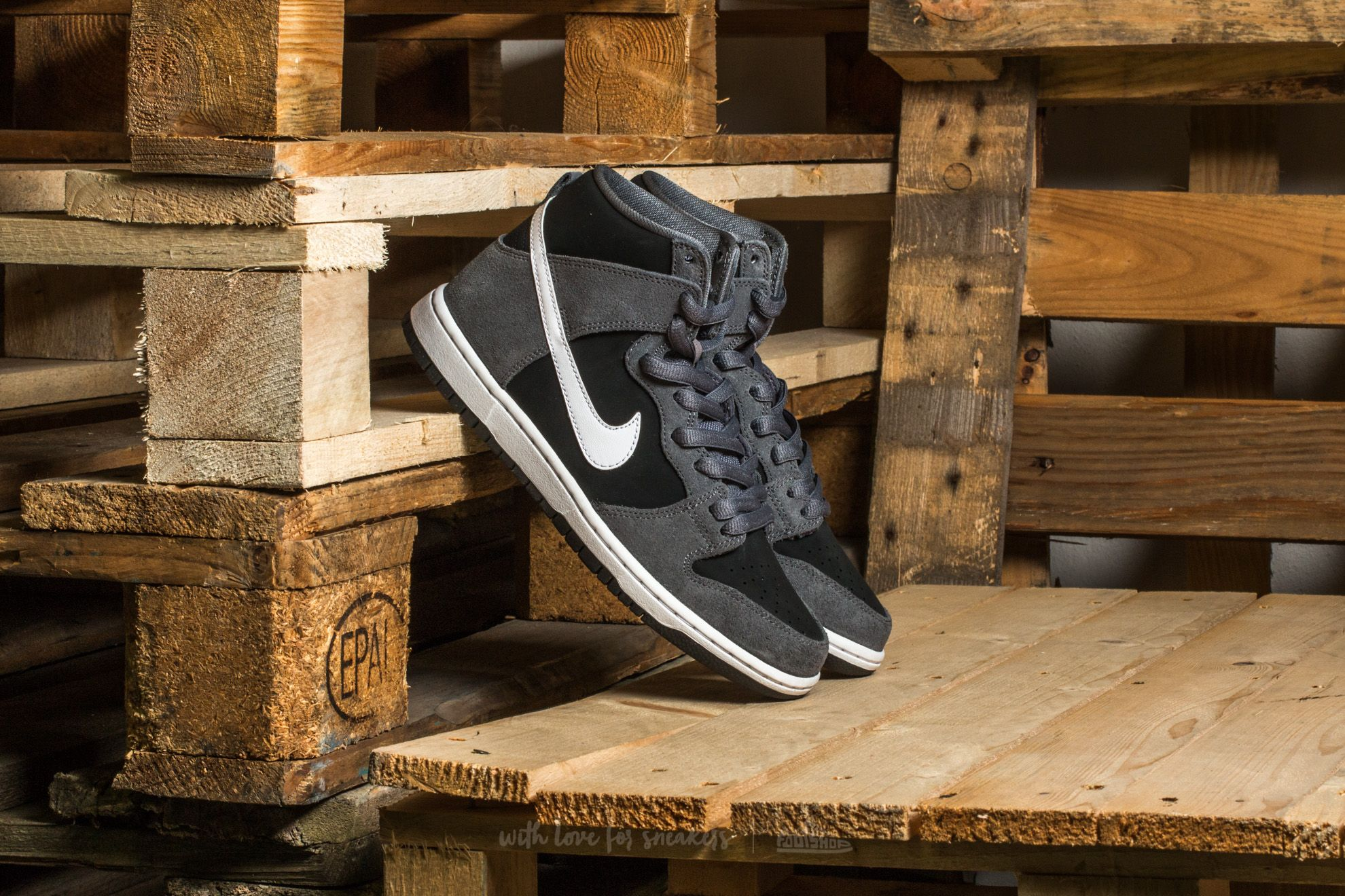 35fe3186ac 1acf6 41661; new style nike sb zoom dunk high pro dark grey white black  white e743f 6301e