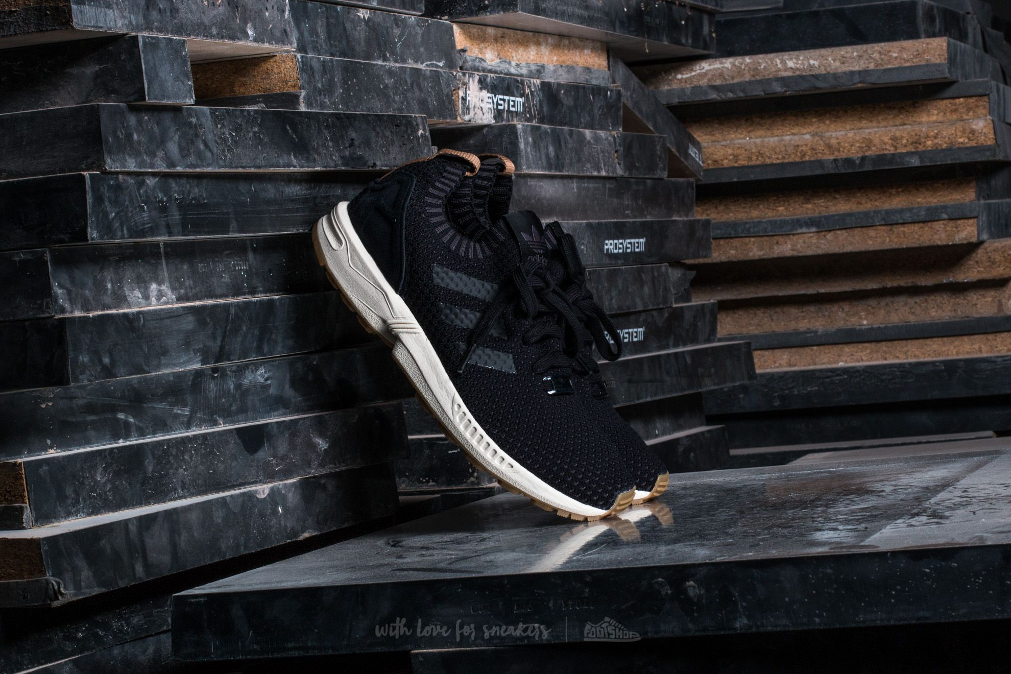 quality design be98b 54581 adidas ZX Flux Primeknit Core Black/ Core Black/ Gum | Footshop