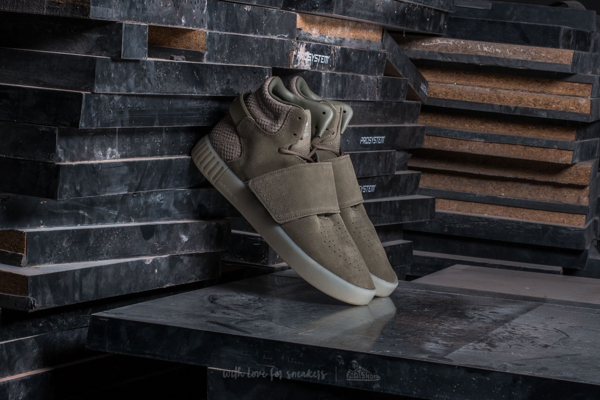 effd18f04be62c adidas Tubular Invader Strap Trace Cargo  Trace Cargo  Sesame ...