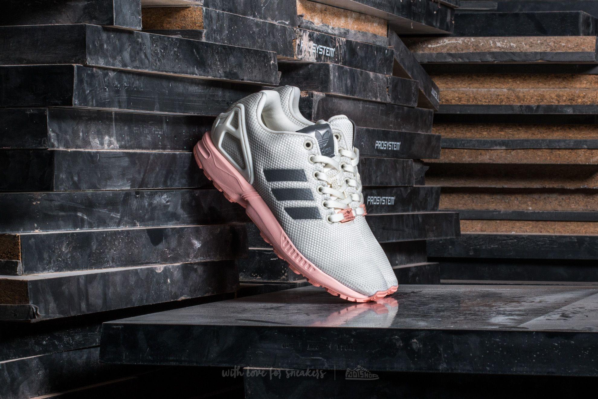 separation shoes 2e0a0 34d9f adidas ZX Flux W
