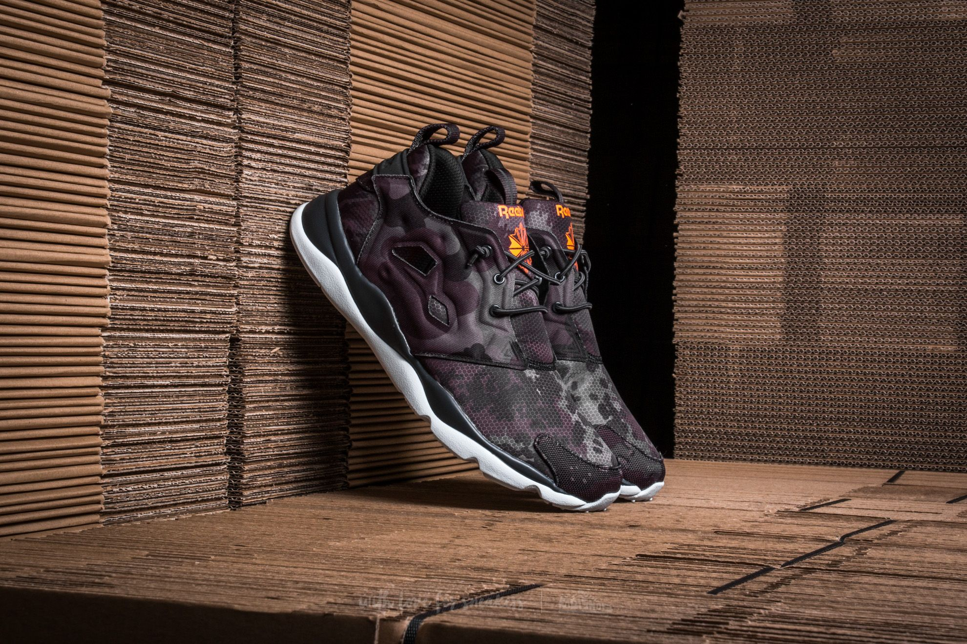 Men's shoes Reebok Furylite CC Coal