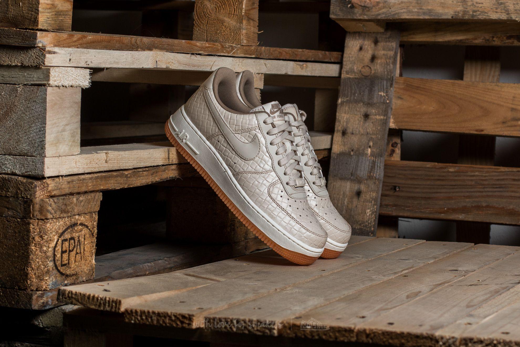 febe3c818fc Nike Wmns Air Force 1  07 Premium Oatmeal  Oatmeal-Khaki-Sail ...