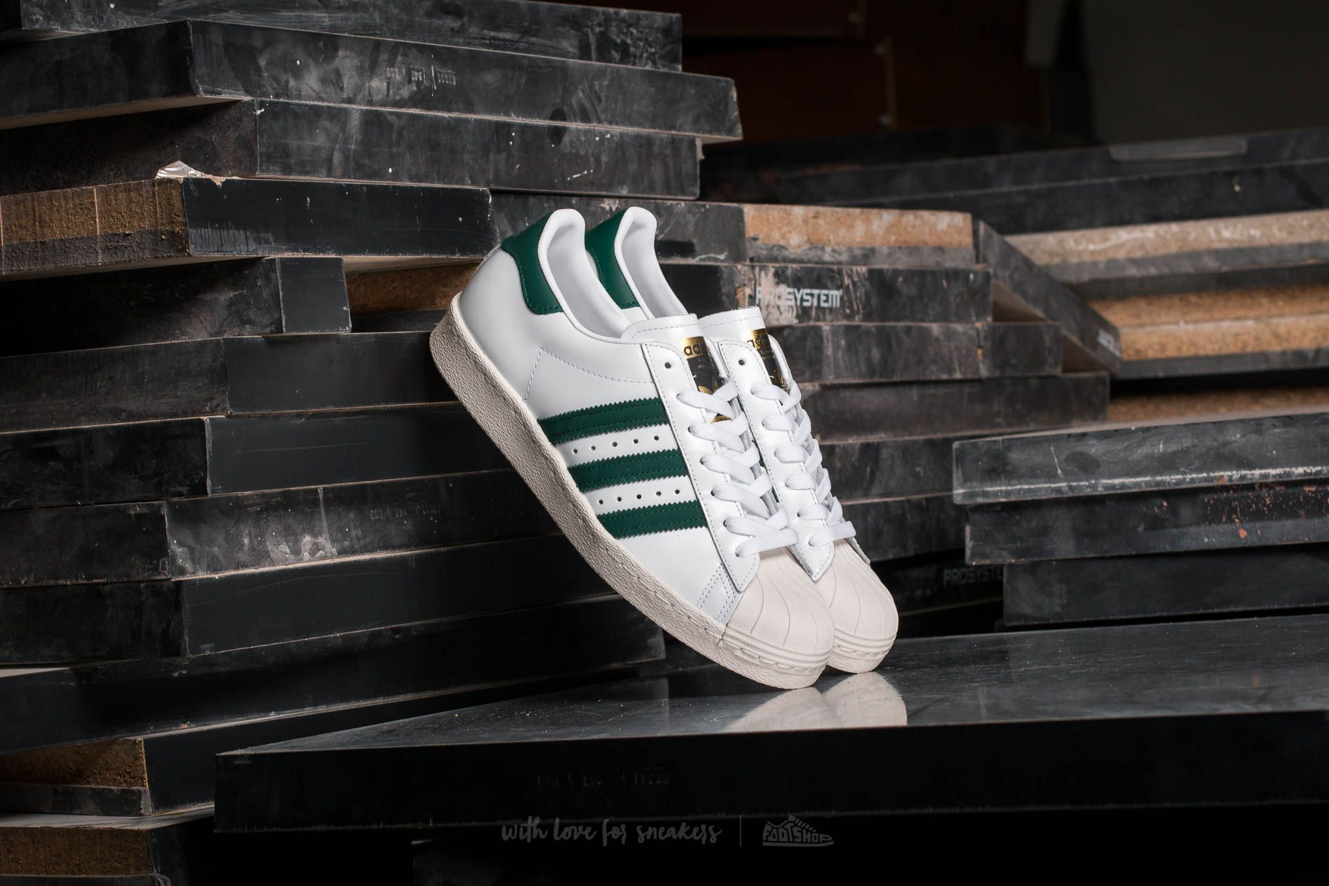 pretty nice b8238 c875e adidas Superstar 80s