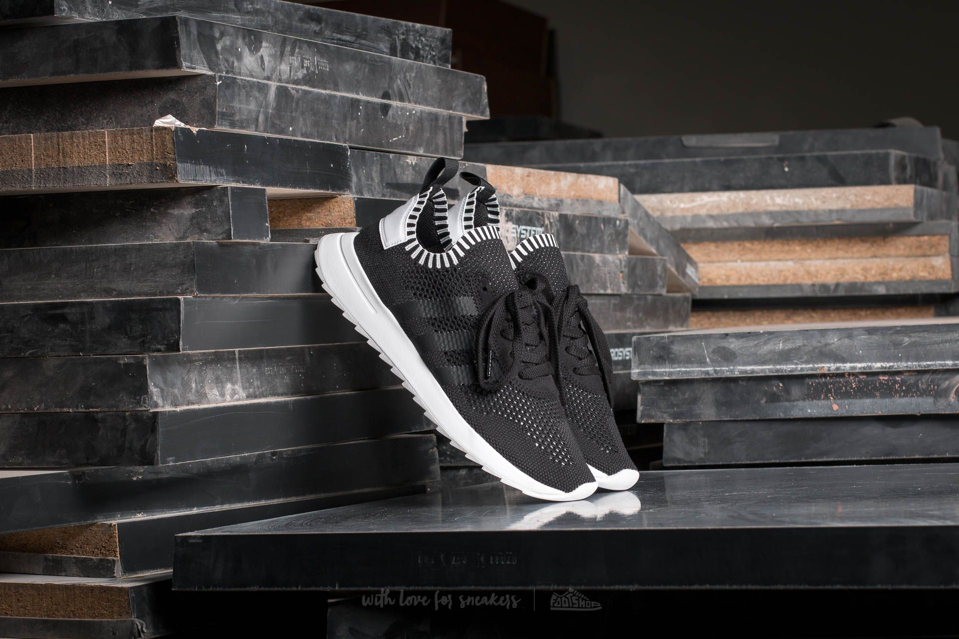 hot sale online f741d a1384 adidas Flashback W Primeknit. Core Black ...