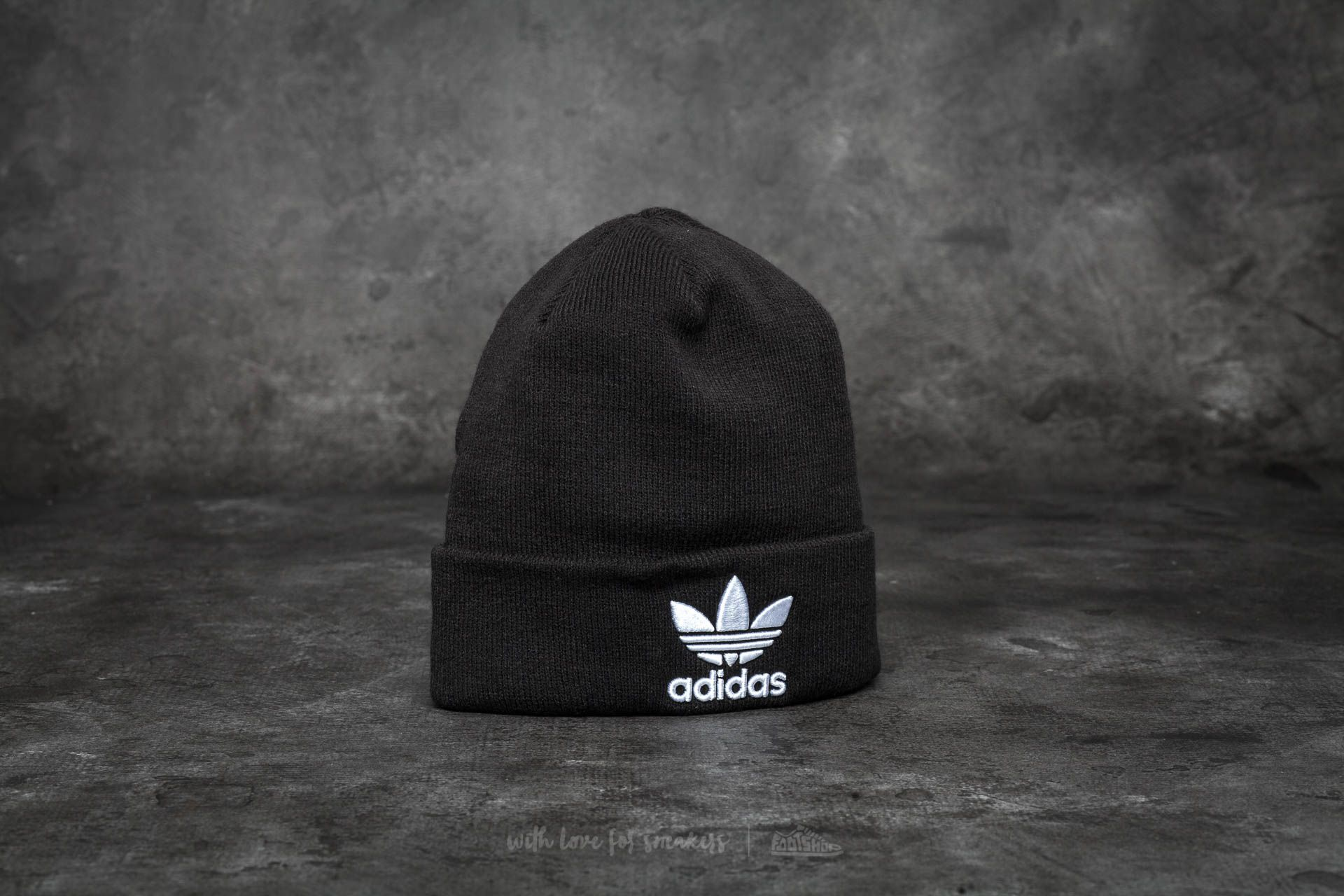 adidas Trefoil Beanie Black at a great price 24 € buy at Footshop 8a8af68fbad2