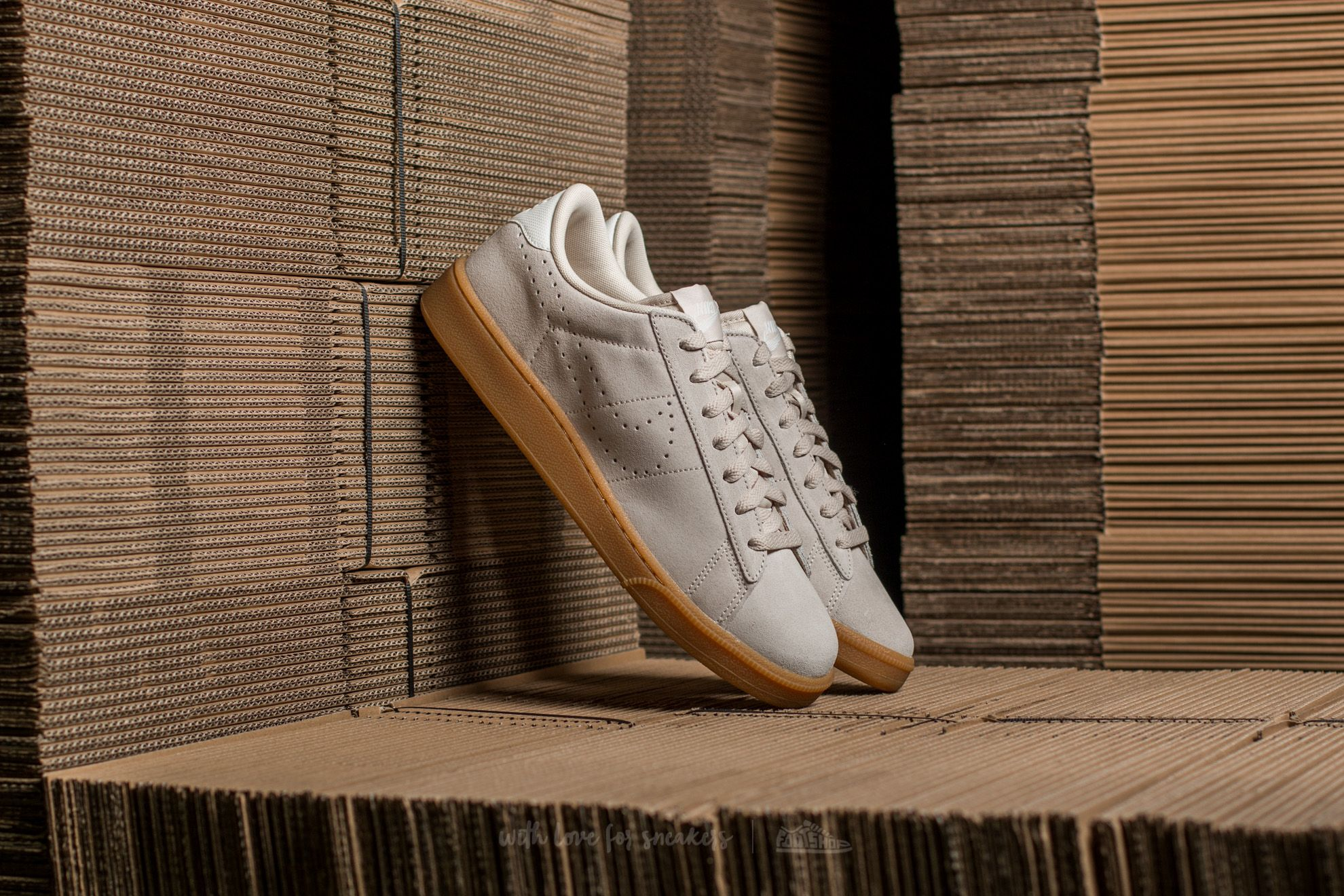 official photos 024c9 88daa Nike Tennis Classic CS Suede