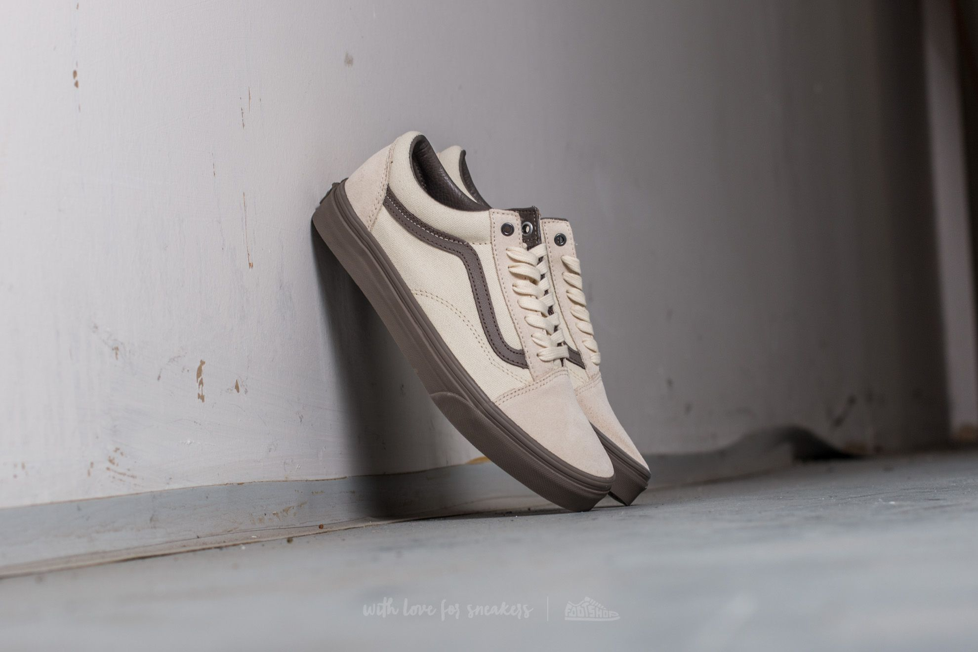 c63e0f9884bc90 Vans Old Skool (C D) Cream  Walnut