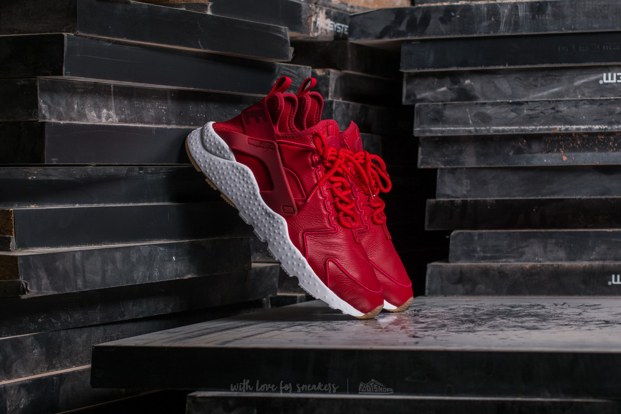 15aa988316ef Nike W Air Huarache Run Ultra SI Gym Red  Gym Red-White