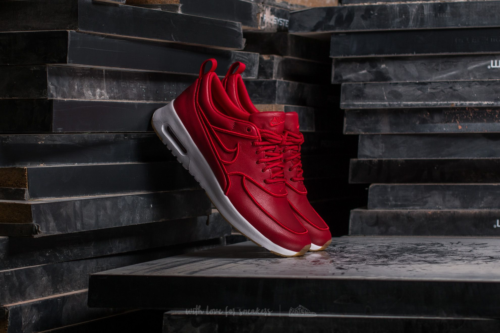 new product 70bb3 613a5 Nike Air Max Thea W Ultra SI Gym Red  Gym Red-White