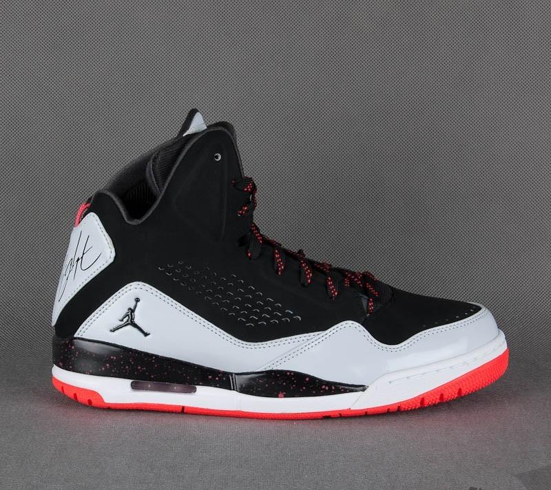 Jordan SC-3 Black/Pure Platinum
