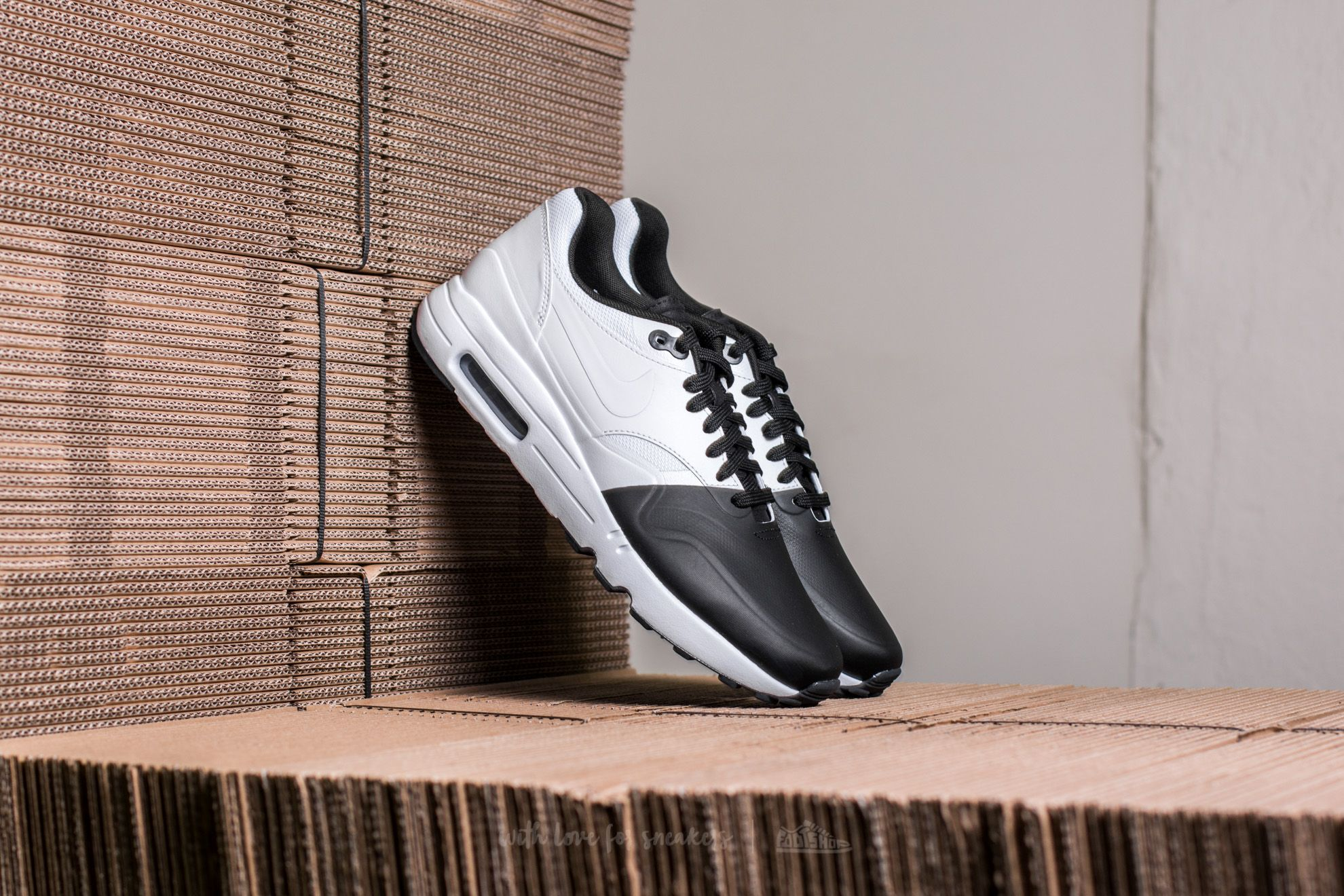 Nike Air Max 1 Ultra 2.0 SE Black  White-White-Black  ea19ccd354