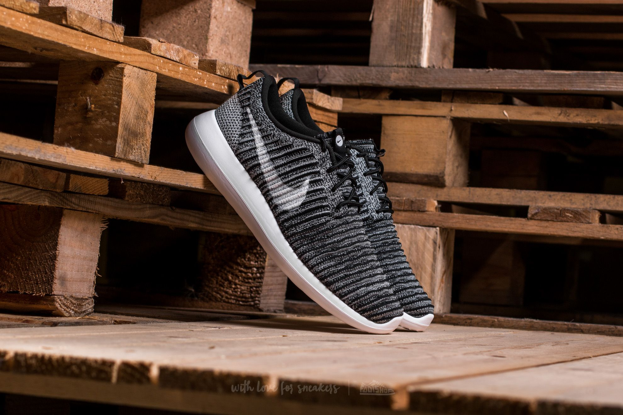 f2da6f4d9a3e Nike Roshe Two Flyknit Black  White-Wolf Grey