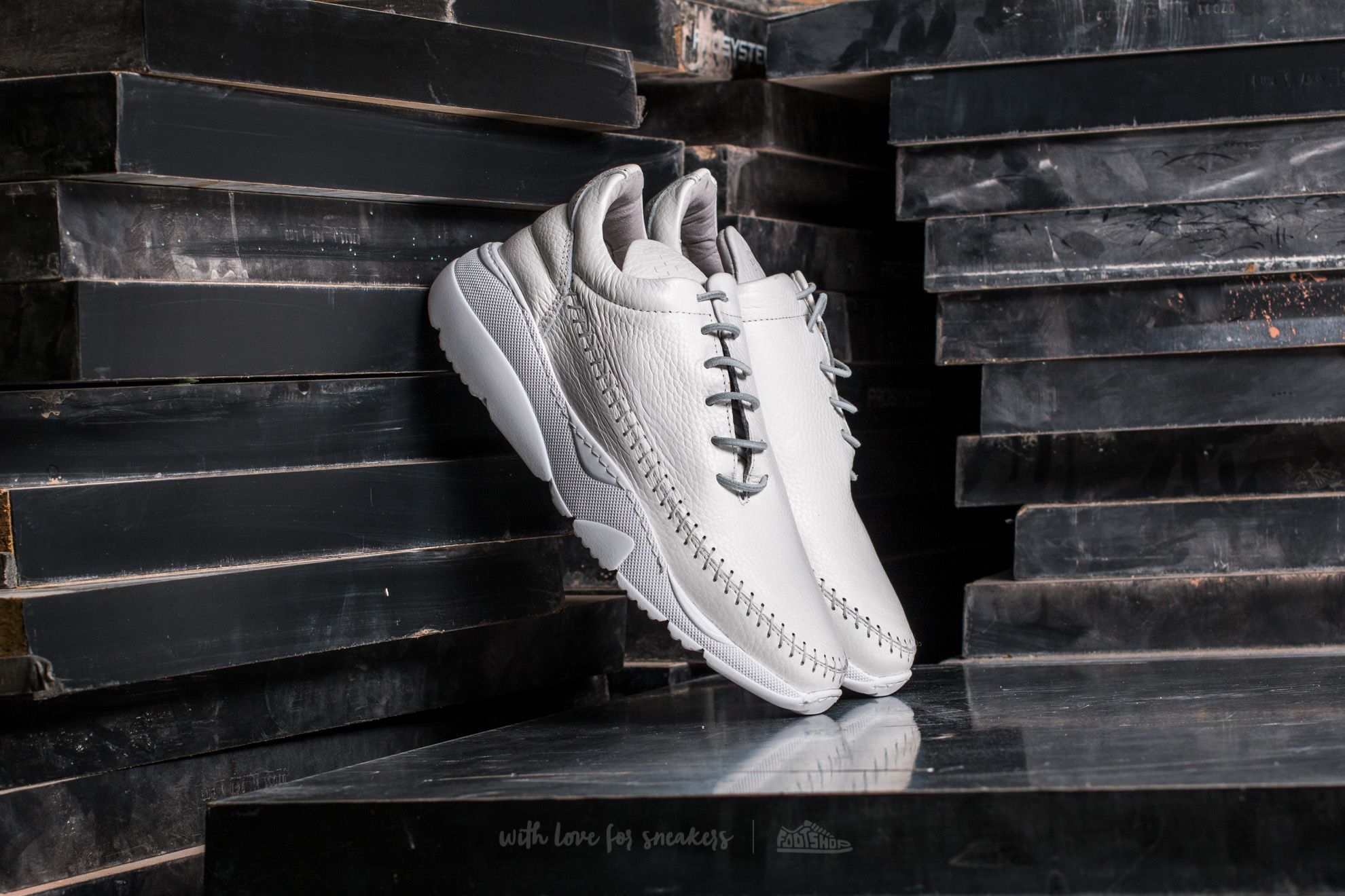 Filling Pieces Apache Runner Low