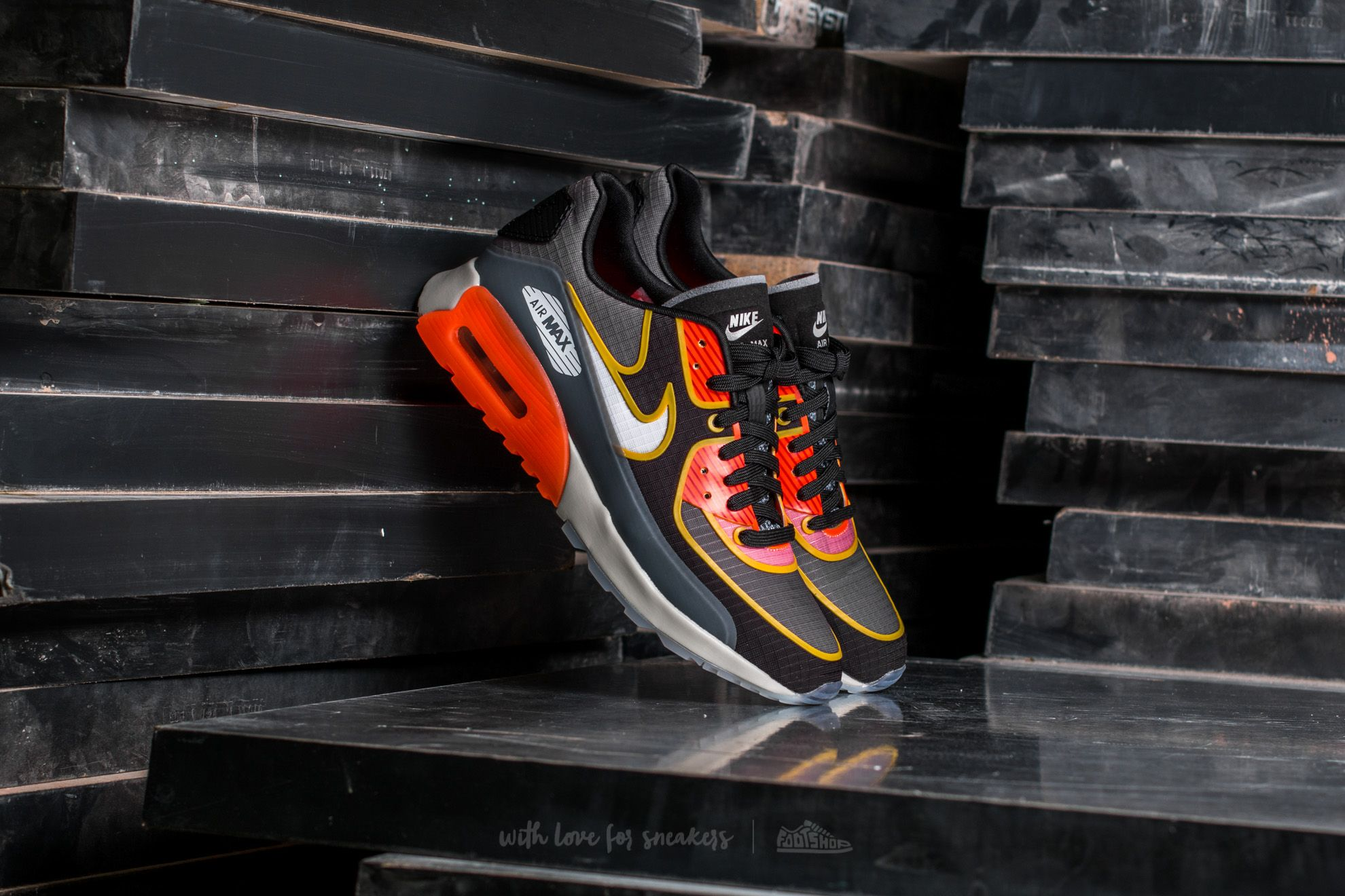 online store ef479 06257 Nike W Air Max 90 Ultra 2.0 SI Cool Grey/ Light Bone-Black | Footshop