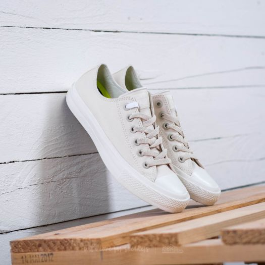 Chuck Taylor II Ox Converse Chuck II Ox Parchment White