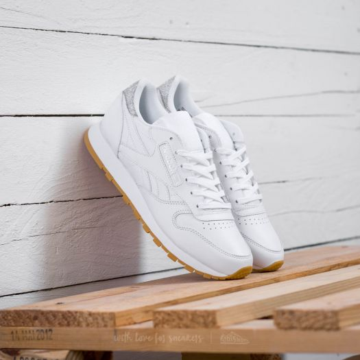 Reebok Classic Leather W shoes white