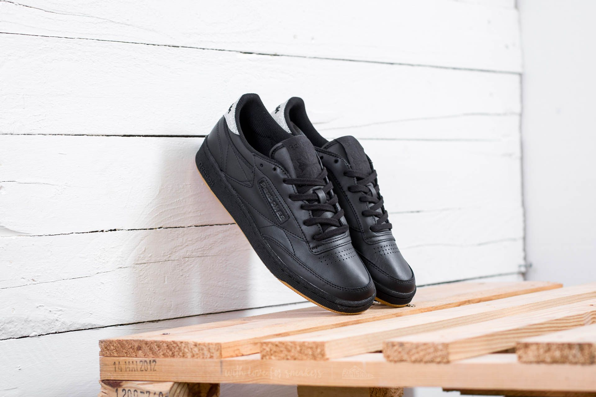 48732ed496c81 Reebok Club C 85 Diamond W Black  Gum