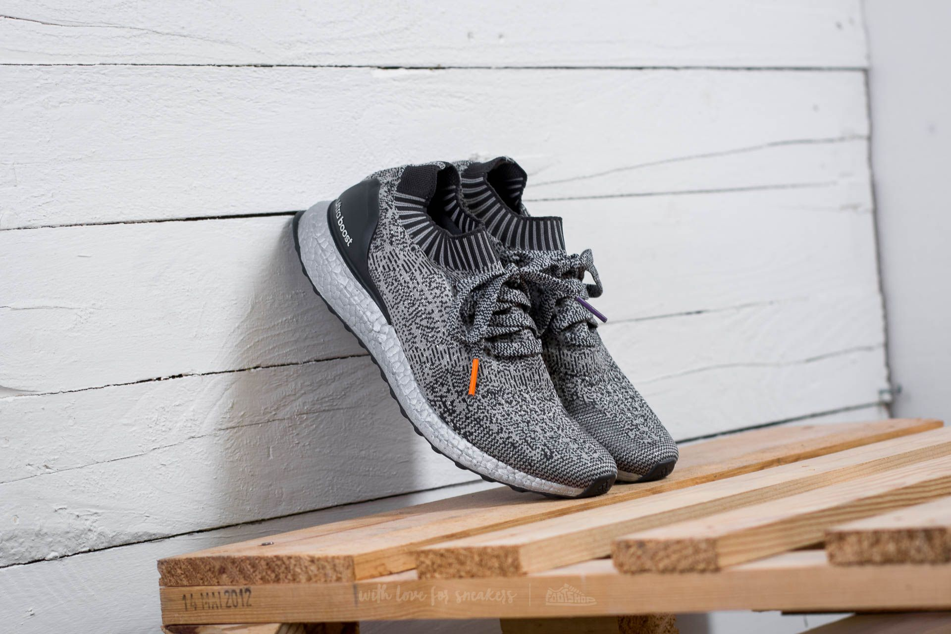 2c580003c6e6 adidas Ultra Boost Uncaged Medium Grey  Heather Solid Grey  Dark ...
