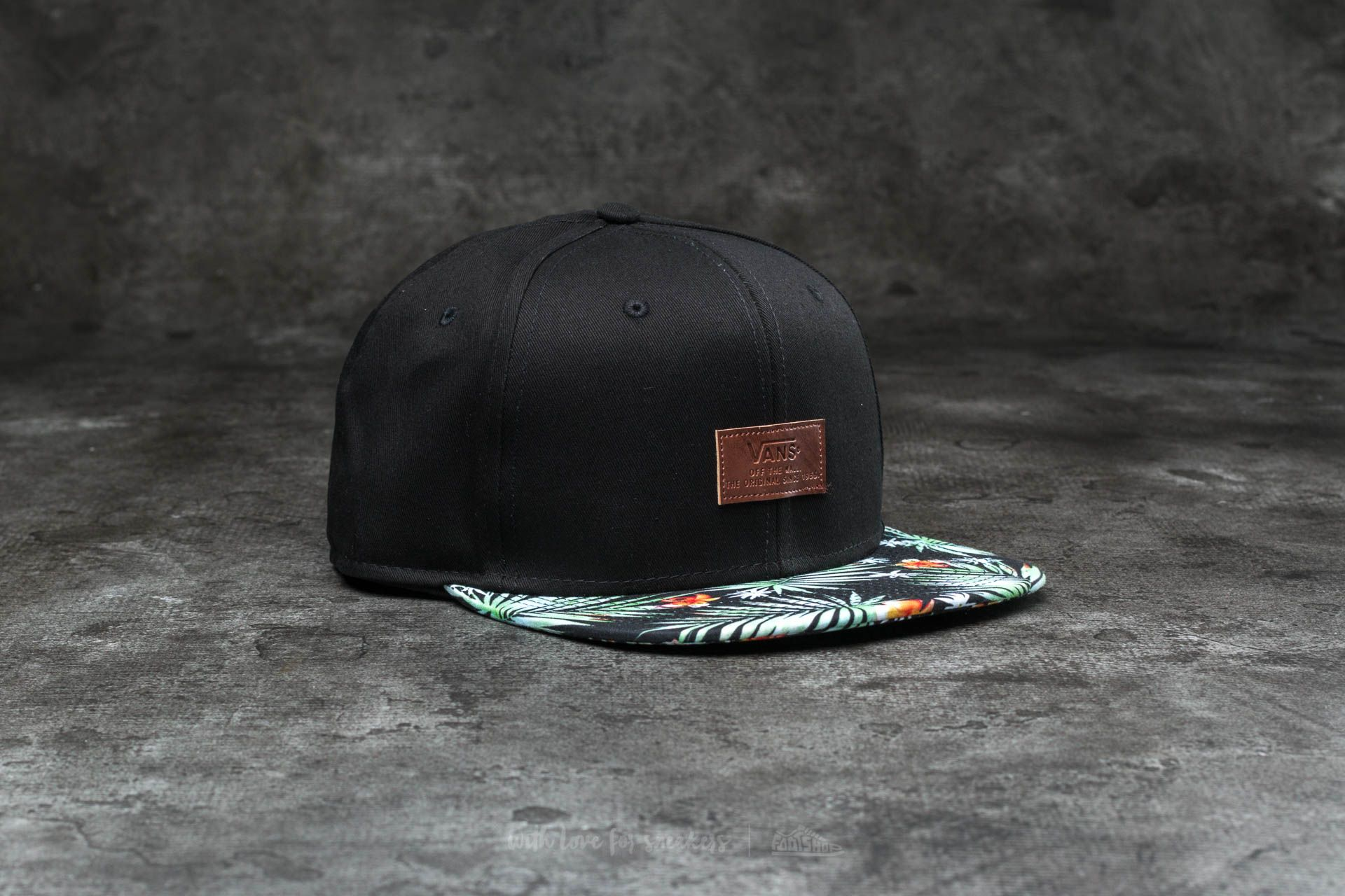 98ff7d1a8d213 Vans Allover It Snapback Black Decay Palm