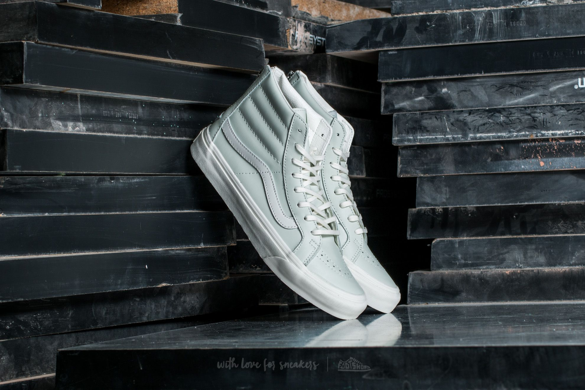 9bc63f9ff60588 Vans Sk8-Hi Slim Zip Leather Zephyr Blue  Blanc De Blanc