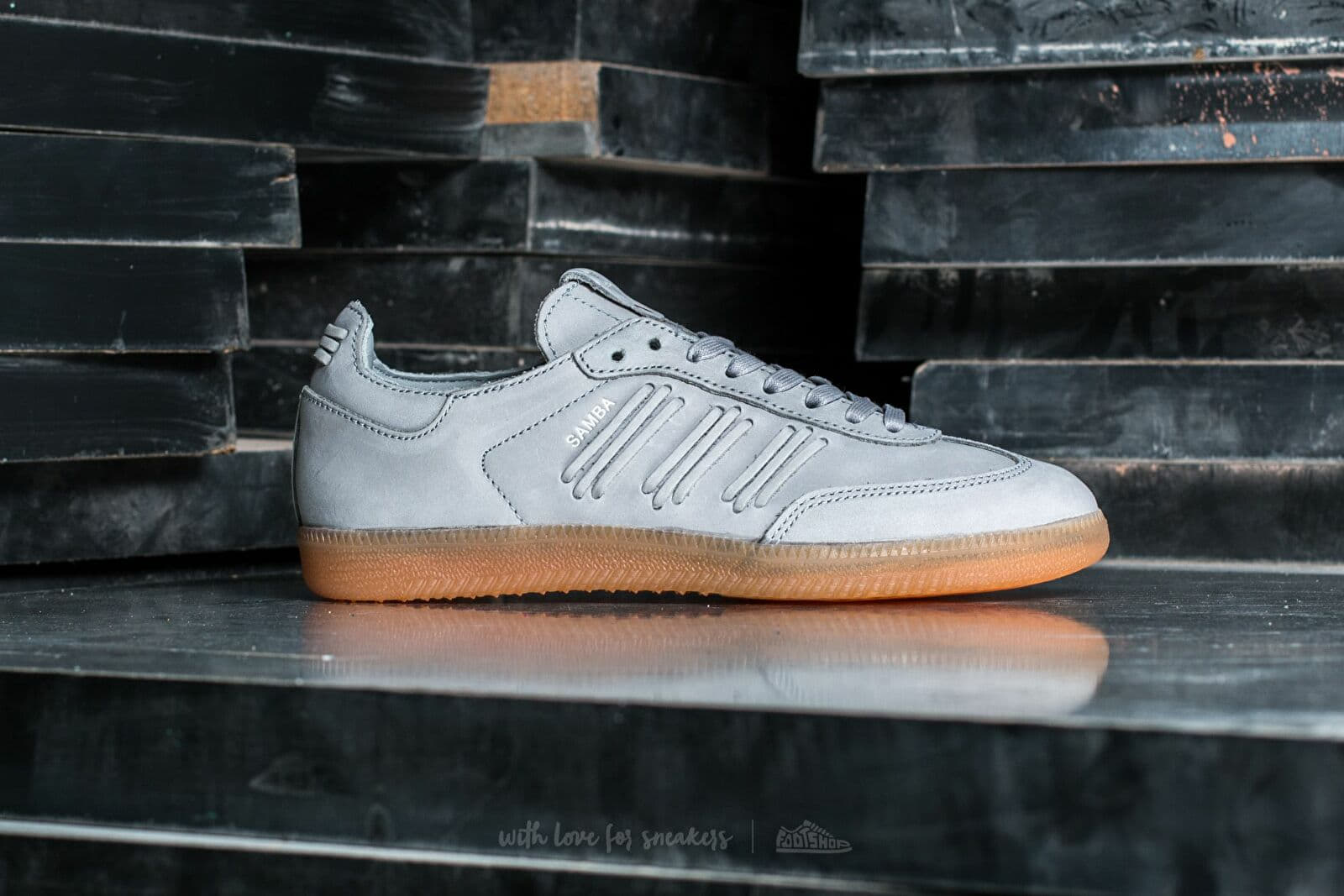 adidas Consortium Samba W Clonix  Crystal White  Crystal White at a great  price 84 41365c3d5