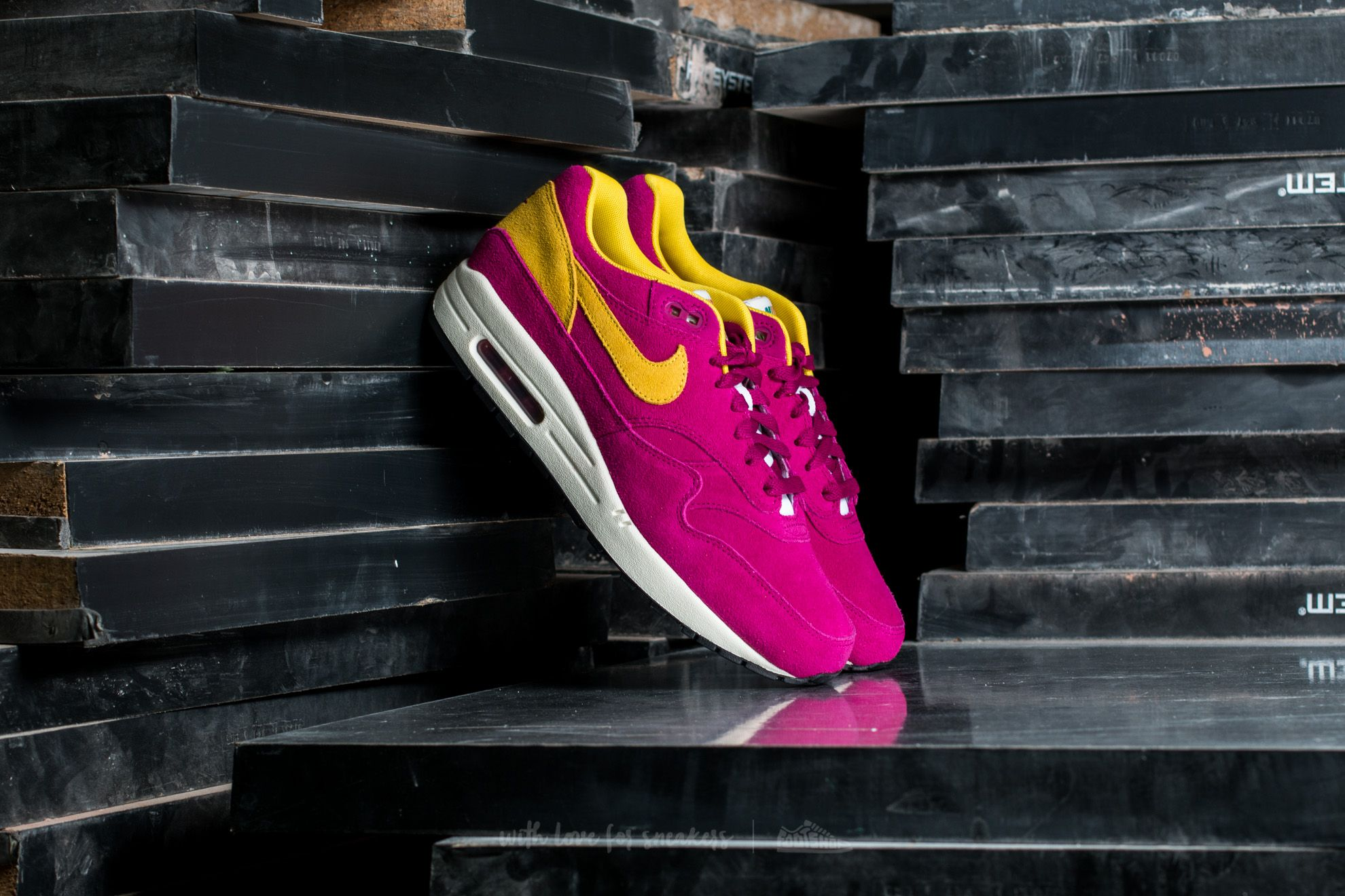 buty nike air max 1 premium dynamic berry