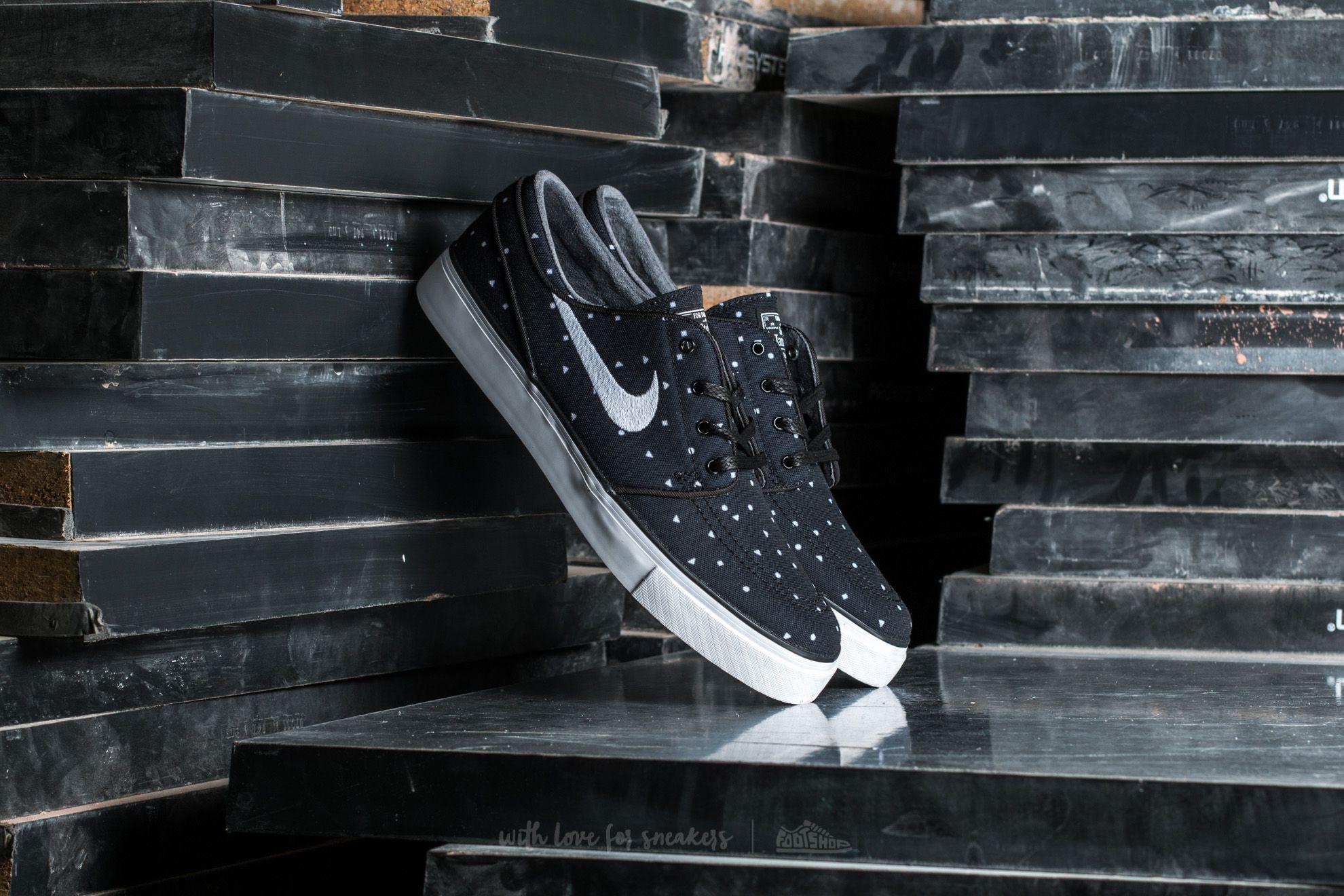 Nike Zoom Stefan Janoski Canvas Premium Black  White  f94d90f85ae