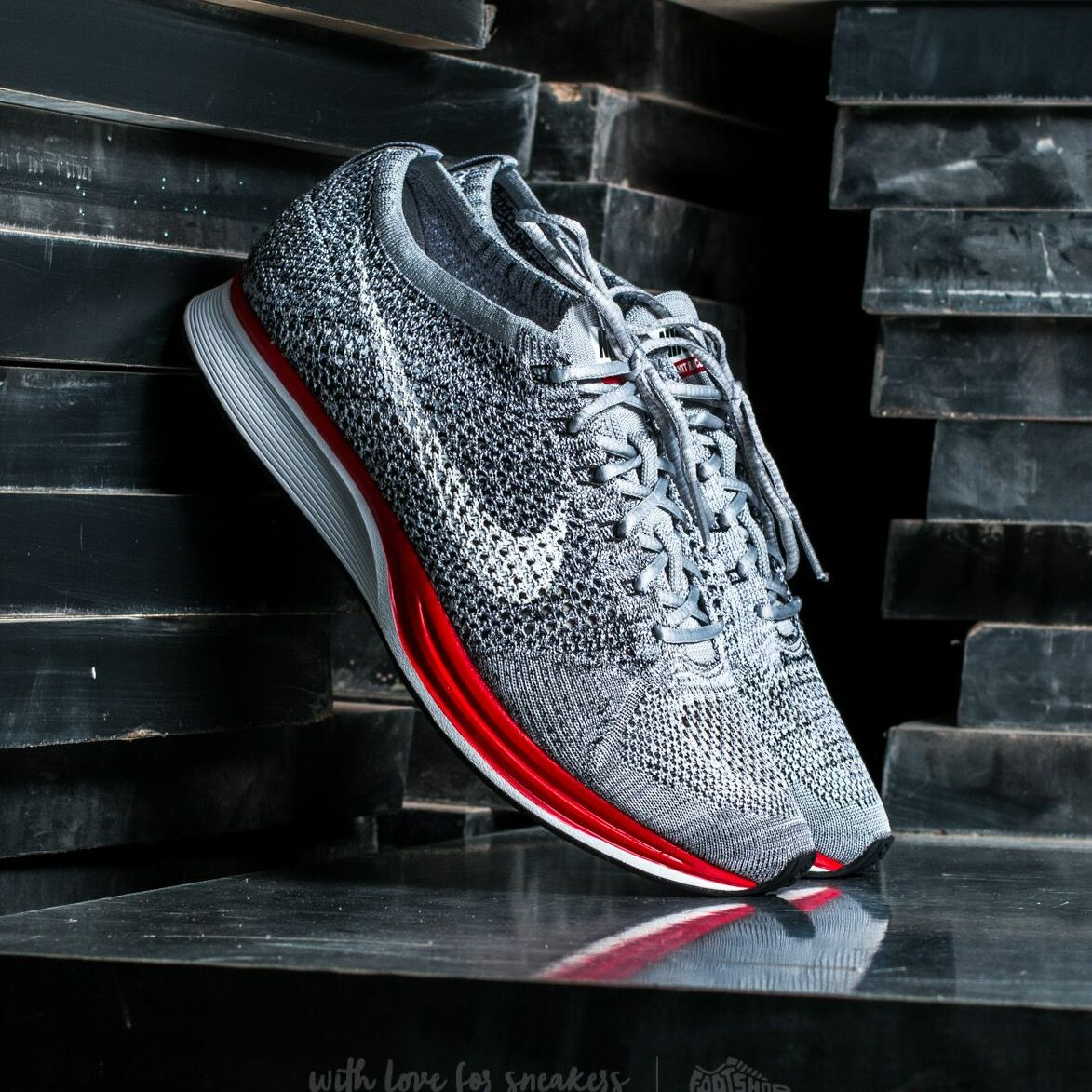 Nike Flyknit Racer Wolf Grey/ White-Pure Platinum EUR 41