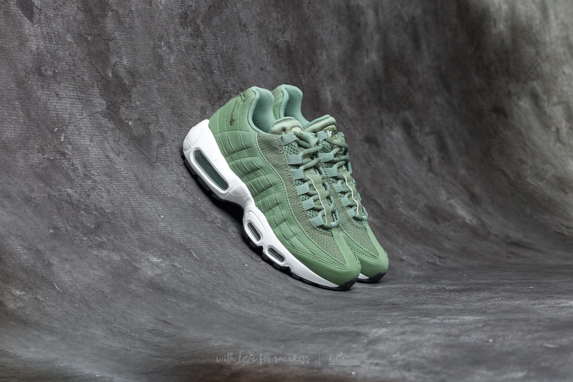 544e15d1f8 ... discount nike wmns air max 95 palm green palm green sail c1624 75391