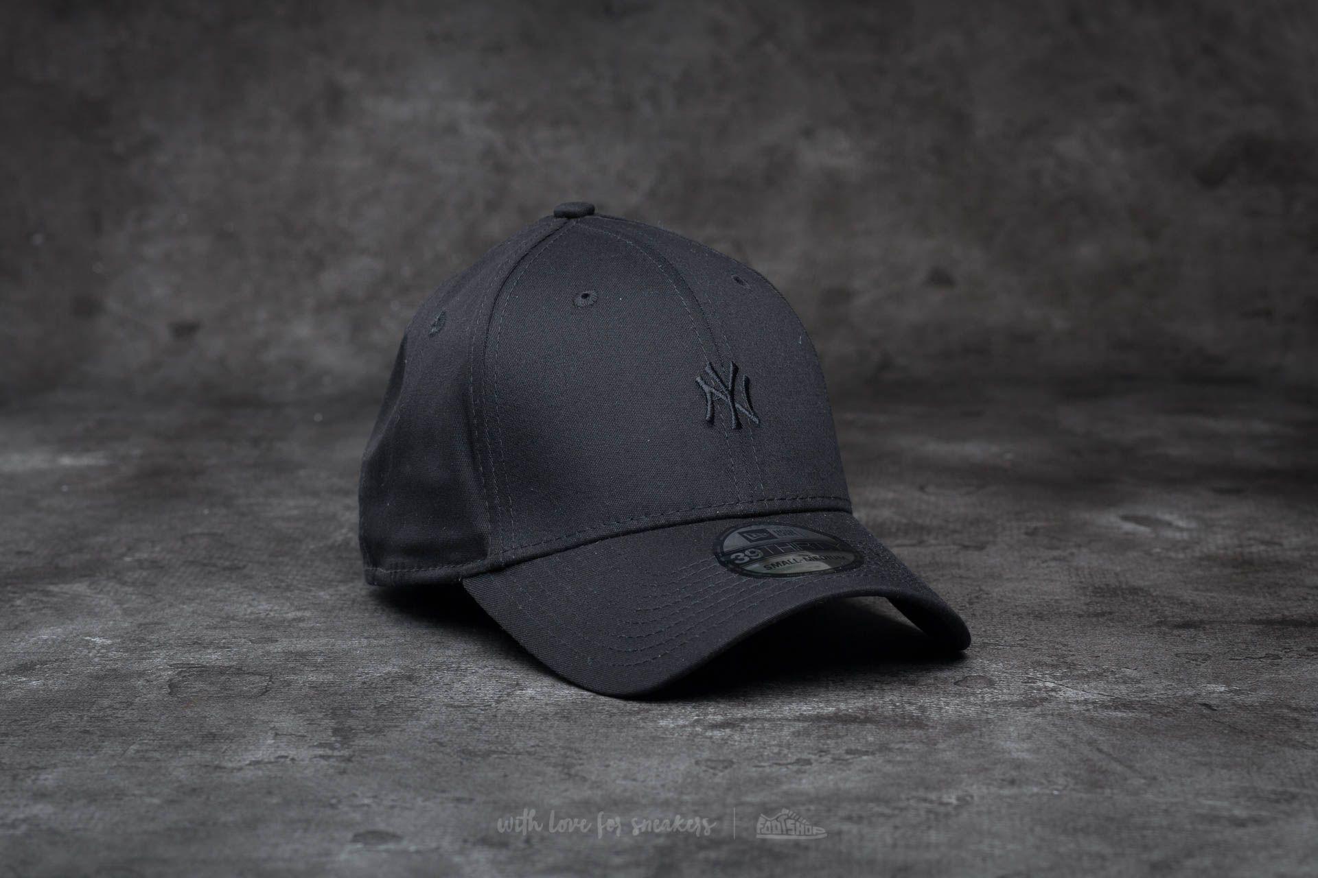 d0a997981f4 New Era 39Thirty Mini Logo Essential New York Yankees Cap Black  Black