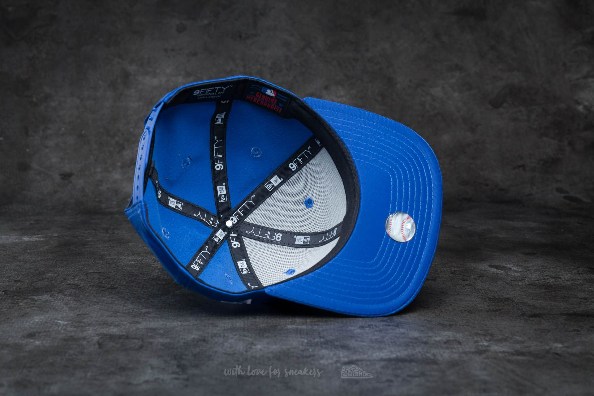 New Era 9Fifty Mini Logo Los Angeles Dodgers Snapback Blue  White at a great  price 9128db6fcc
