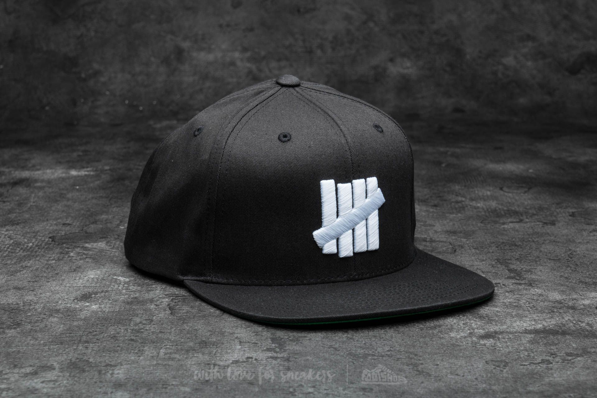 a2d3d87f5 Undefeated 5 Strike Snapback Ball Cap Black | Footshop