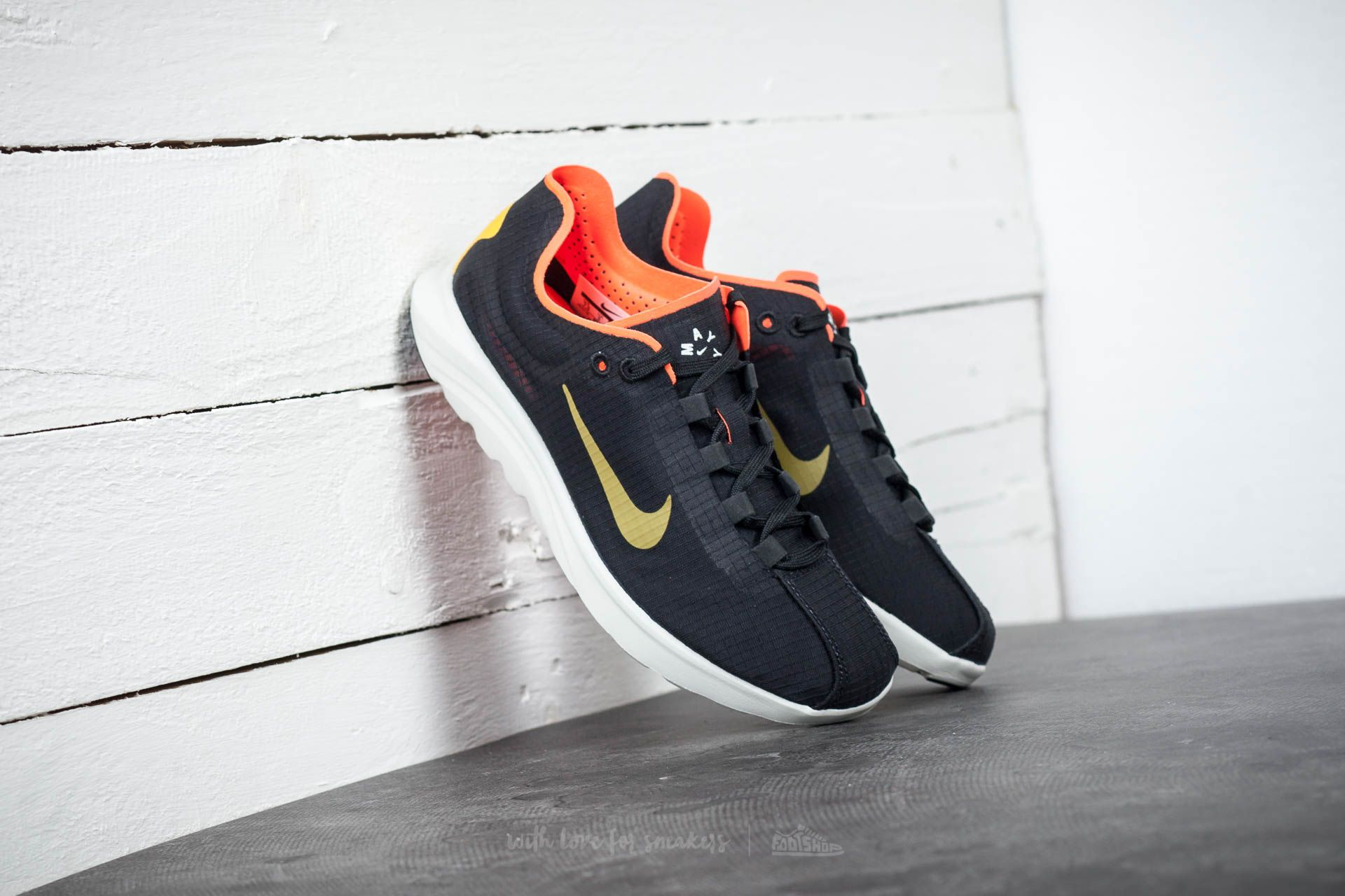 b045e1c98fca Nike Wmns Mayfly Lite SI Black  Gold Dart-Total Crimson