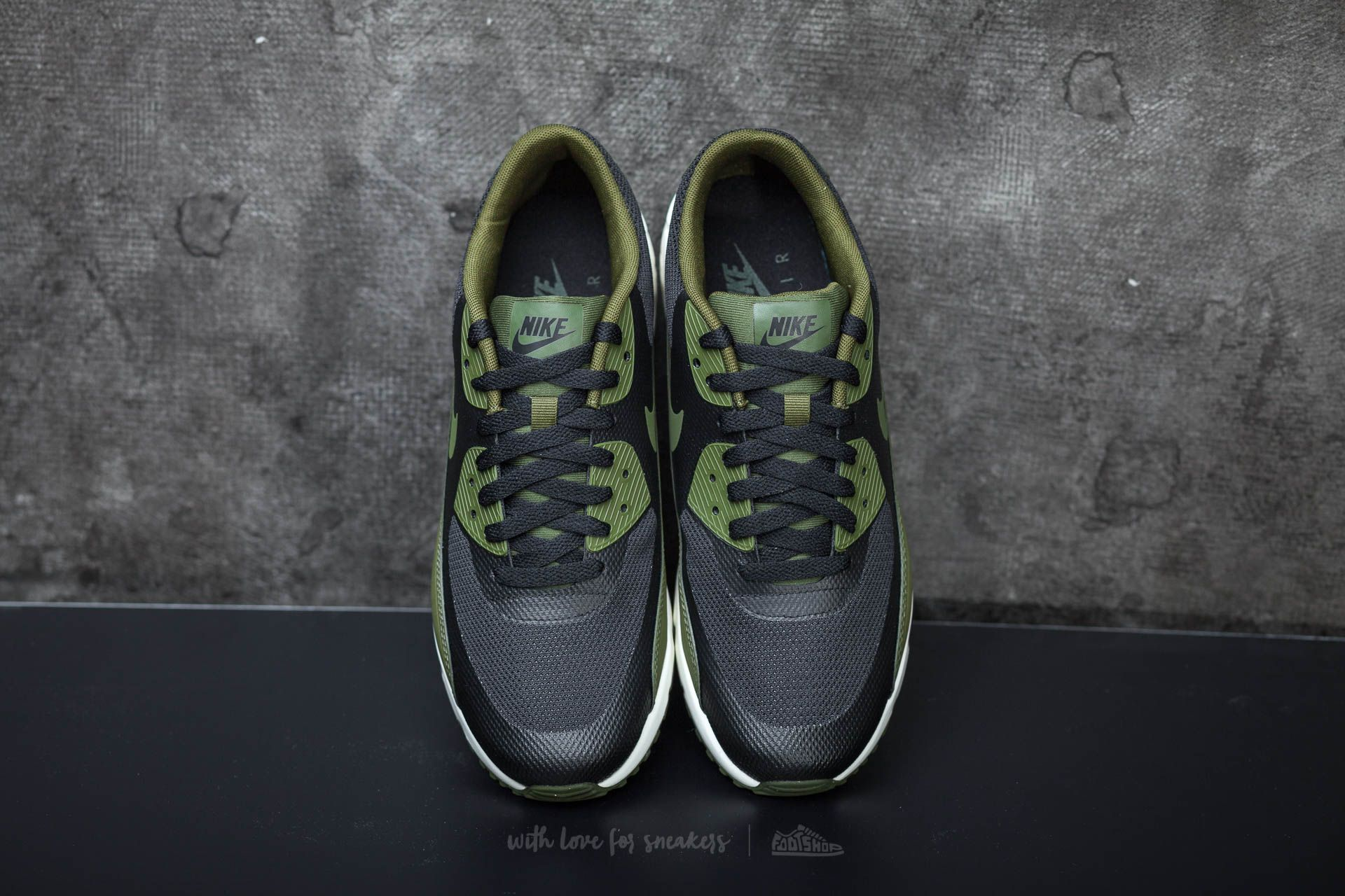 Nike Air Max 90 Ultra 2.0 Essential Black Legion Green Sail