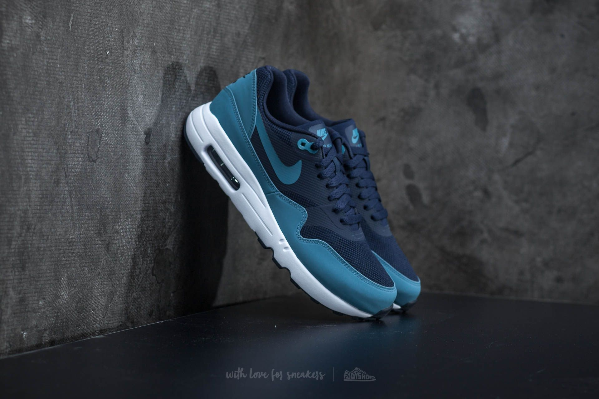 2991db4d76403 Nike Air Max 1 Ultra 2.0 Essential Obsidian  Smokey Blue