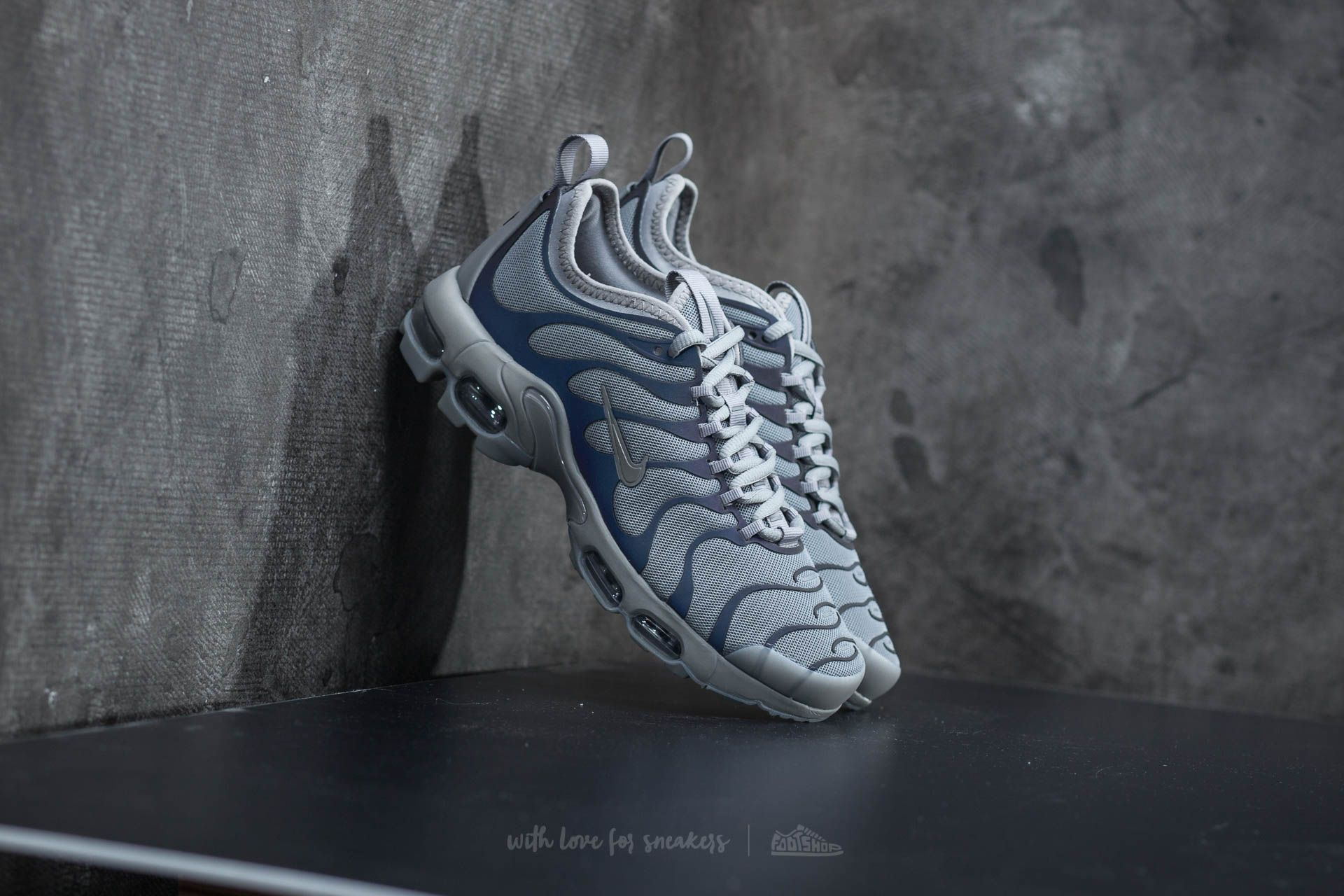new styles 38b65 e152c Nike Wmns Air Max Plus TN Ultra Black/ Dust-Dark Grey | Footshop
